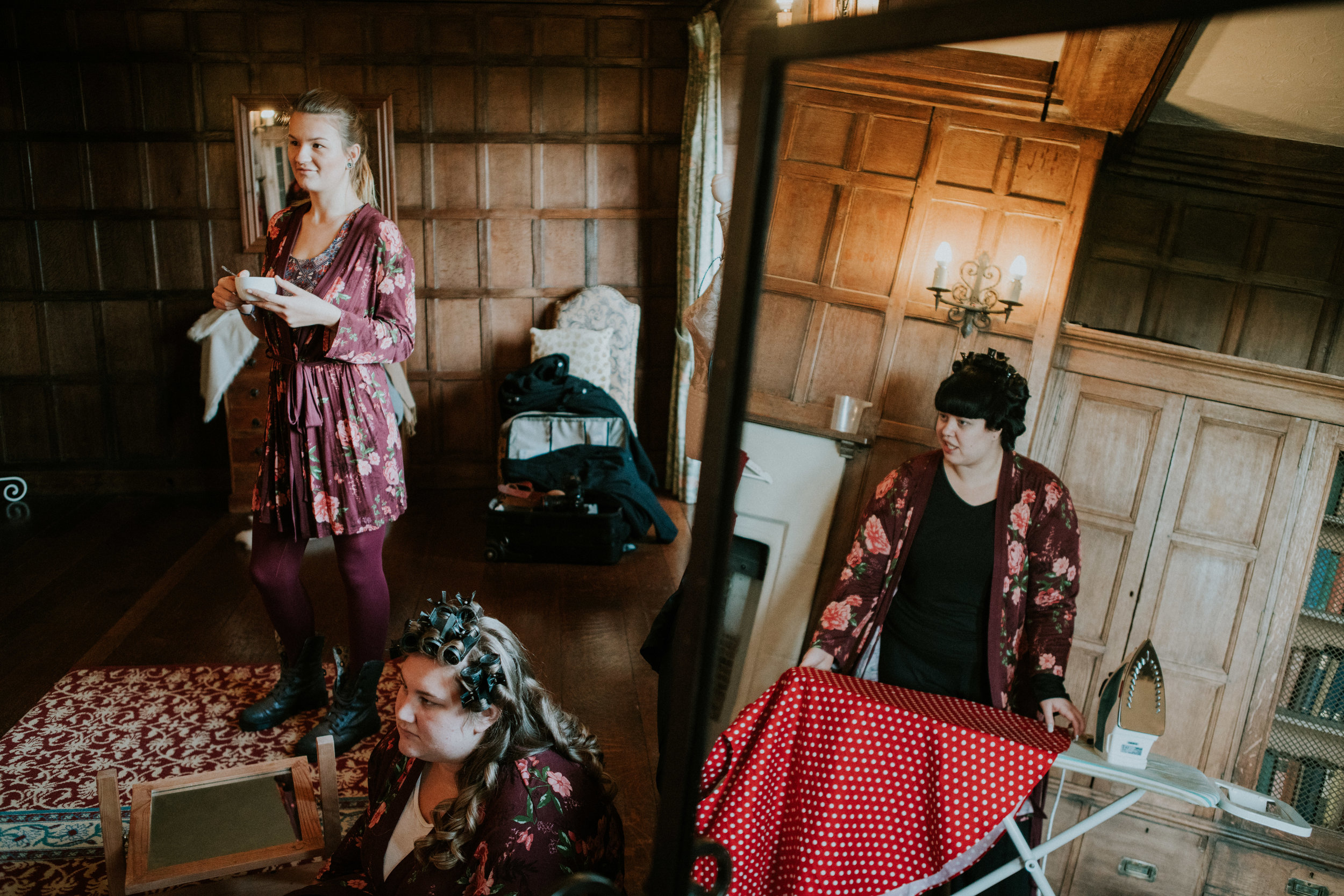 london-kent-wedding-photography-lympne-castle-bride-prep-04