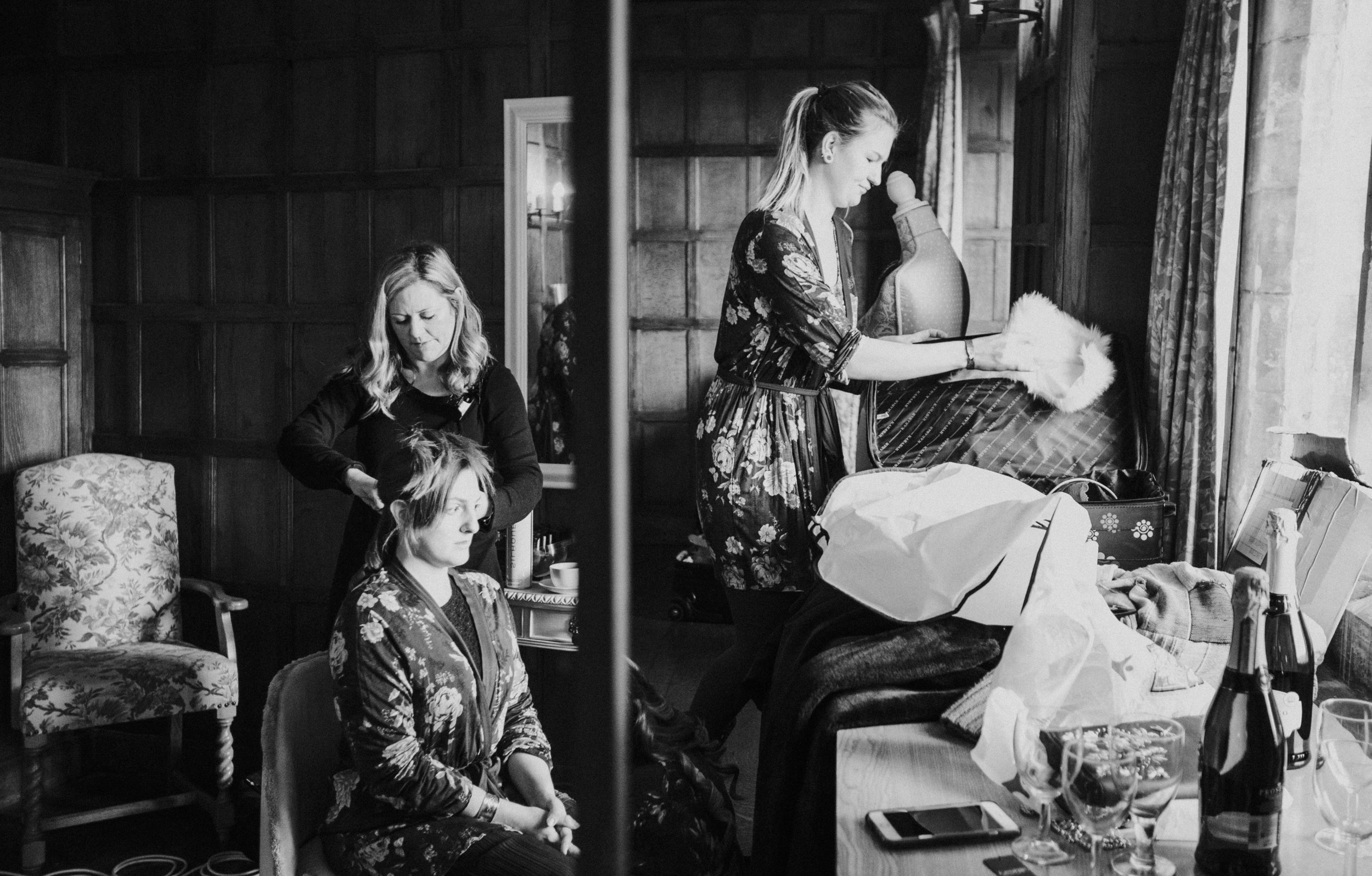 london-kent-wedding-photography-lympne-castle-bride-prep-reflection-08