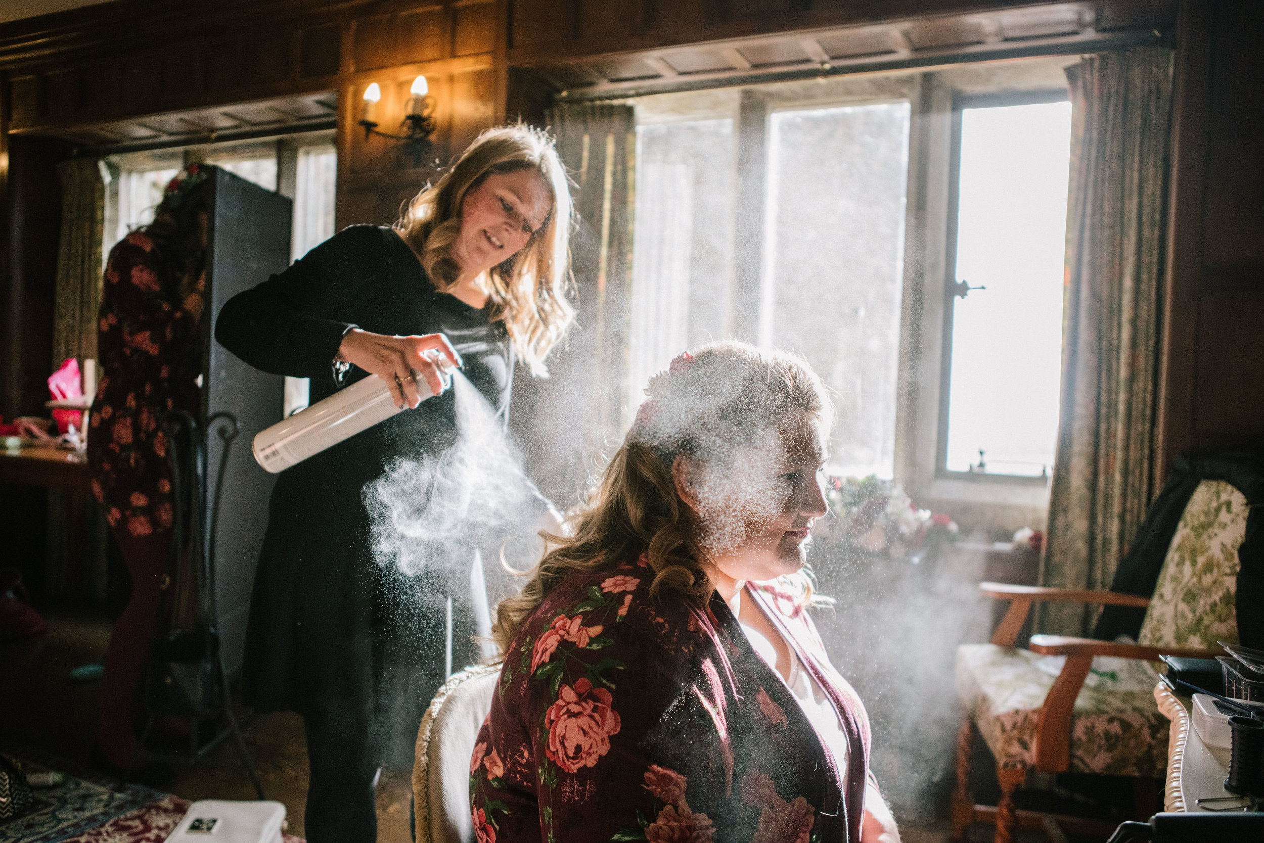 london-kent-wedding-photography-lympne-castle-bride-prep-hairspray-09