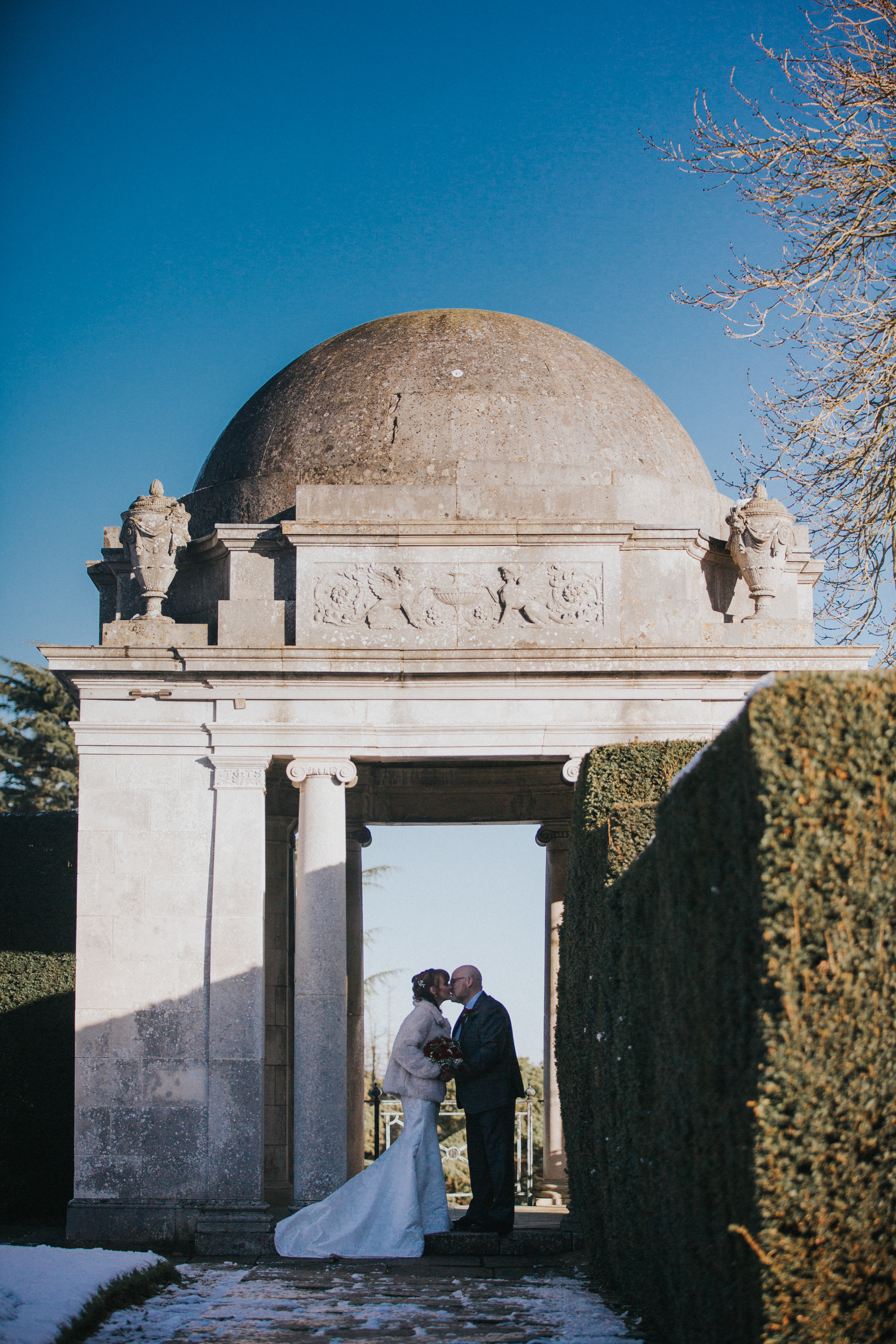 london-bedfordshire-hertfordshire-winter-wedding-photography-luton-hoo-123