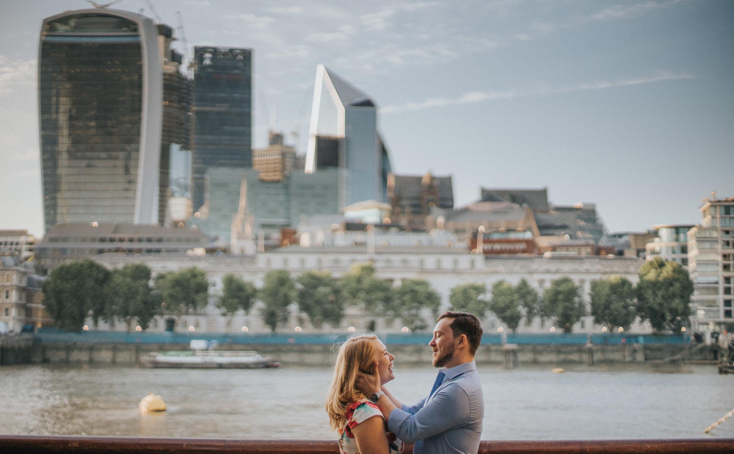 borough-market-london-bridge-engagement-wedding-london-photography-videography-11
