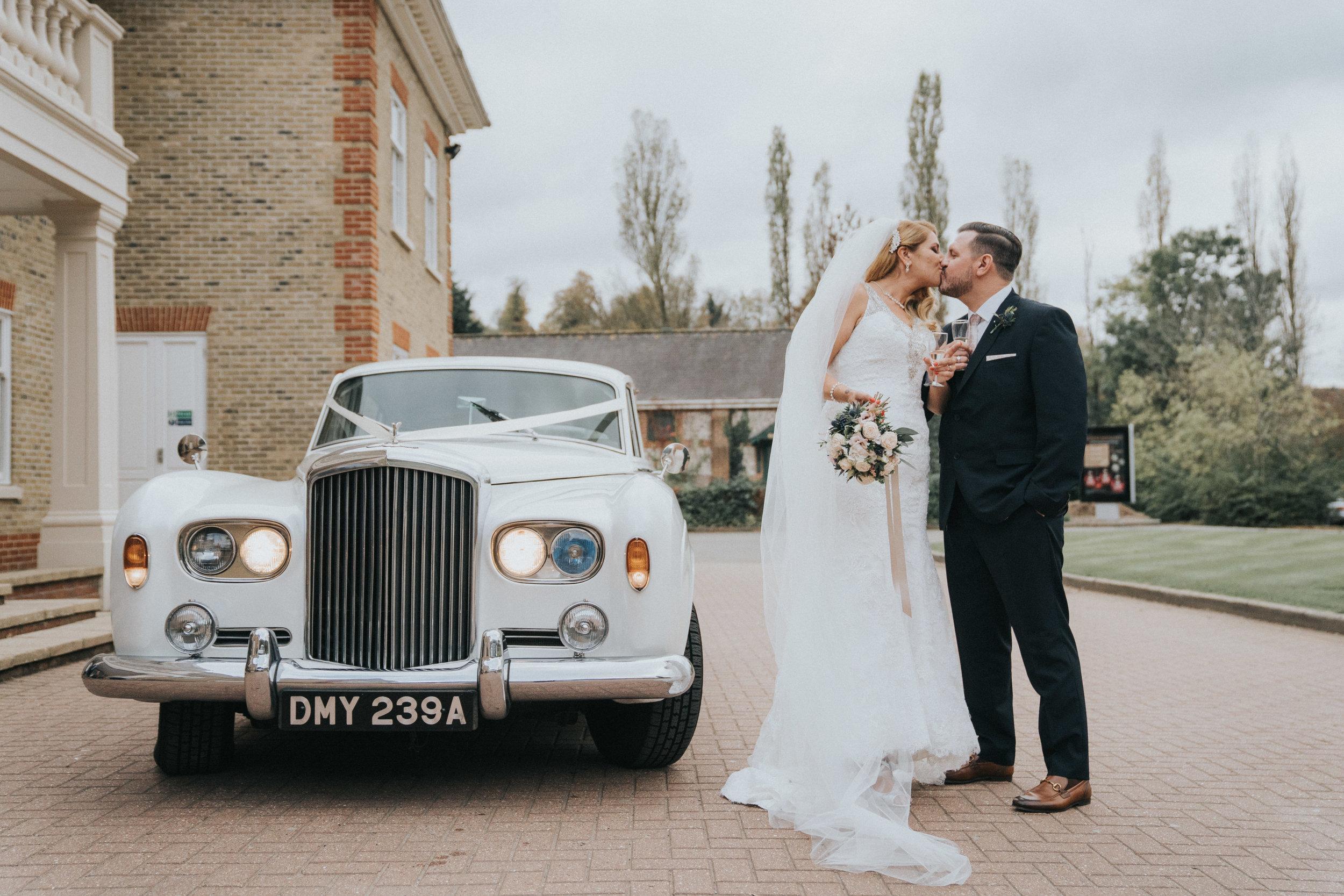 london-surrey-wedding-photography-nutfieldpriory-woldinghamgolfclub-33