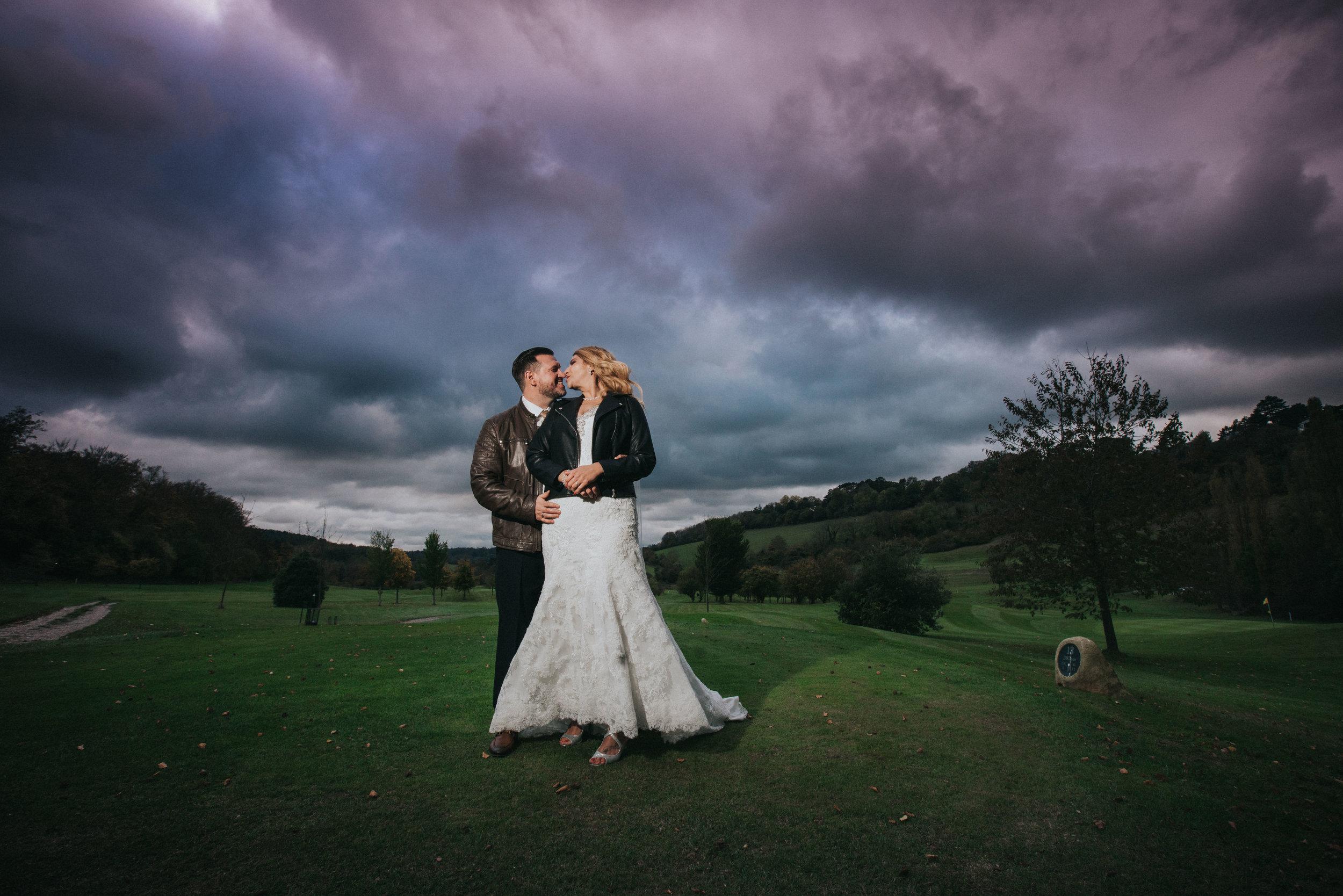 london-surrey-wedding-photography-nutfieldpriory-woldinghamgolfclub-39