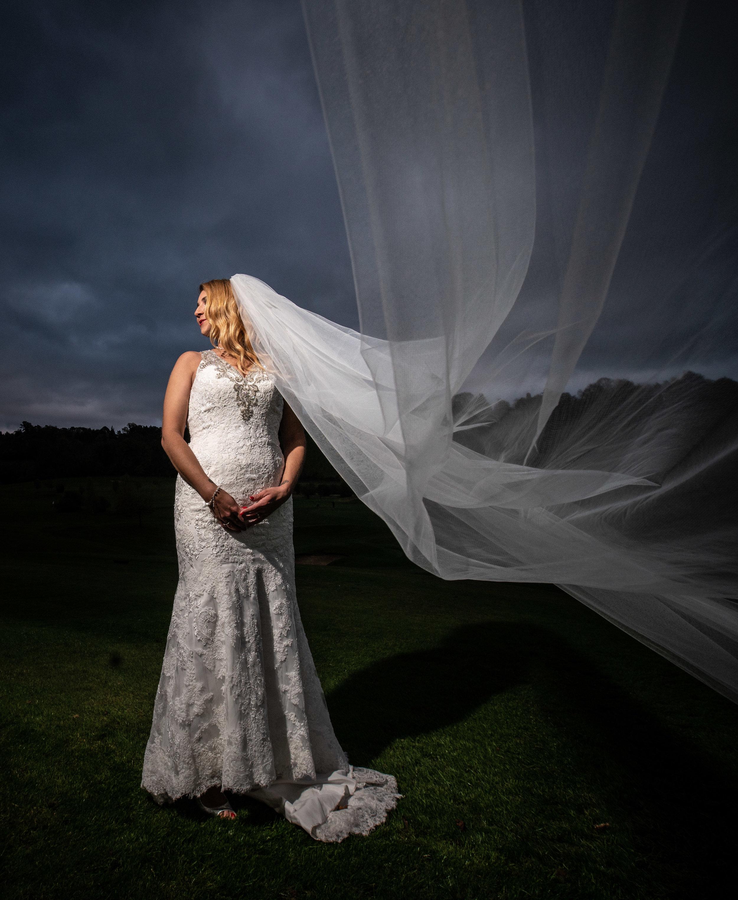 london-surrey-wedding-photography-nutfieldpriory-woldinghamgolfclub-42
