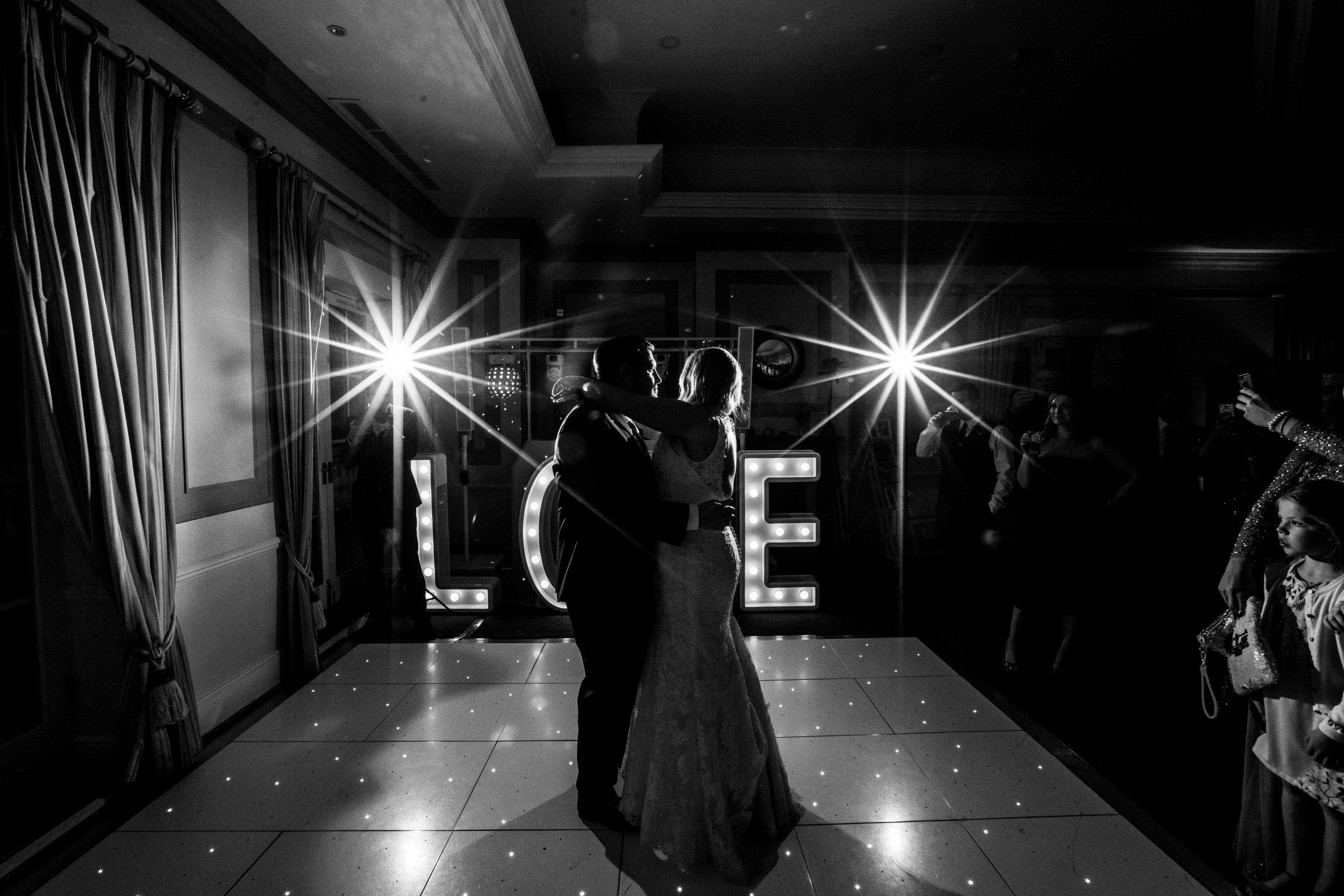 london-surrey-wedding-photography-nutfieldpriory-woldinghamgolfclub-63
