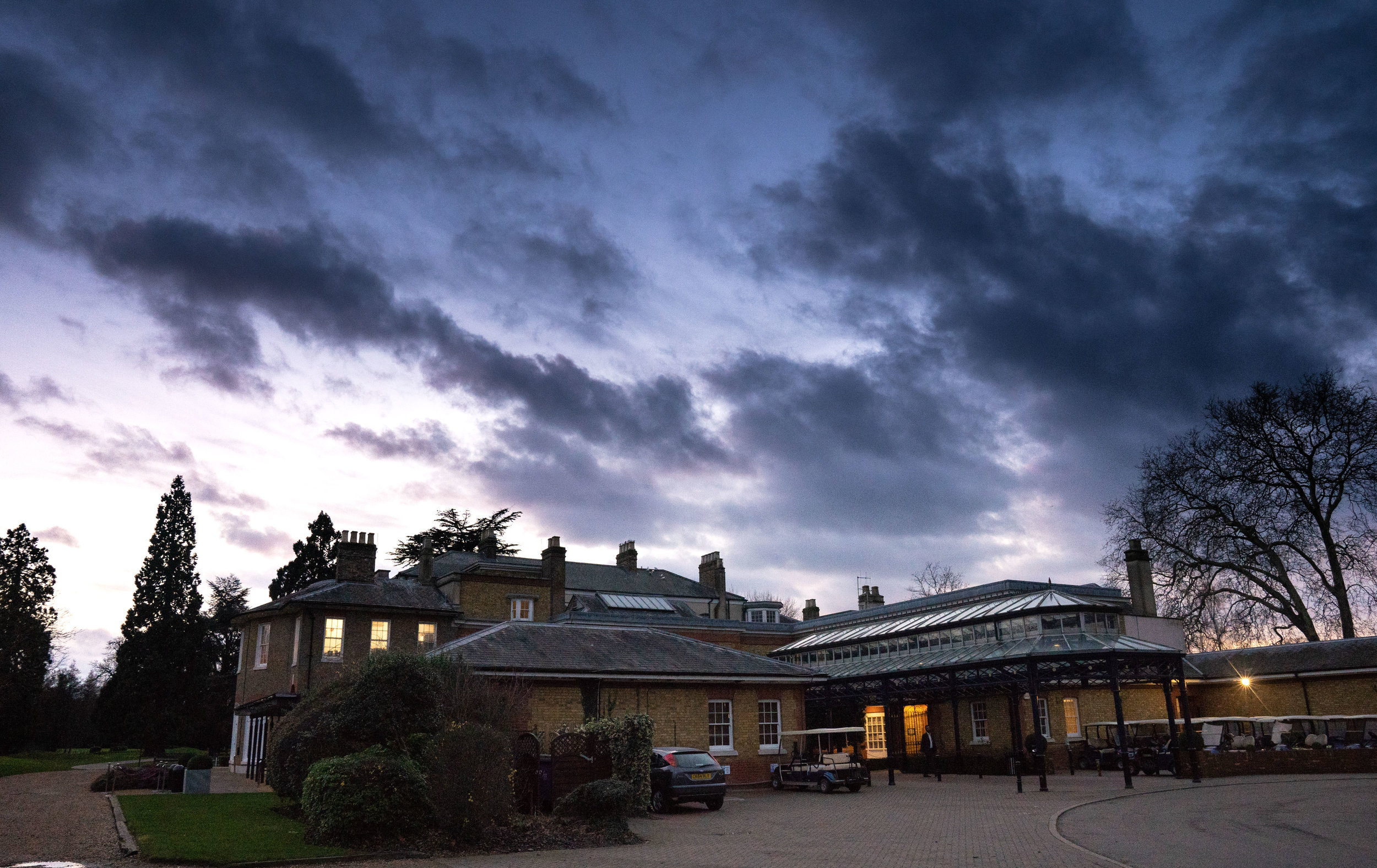 buckinghamshire-golf-club-engagement-wedding-muslim-photography-videography-christmas-02