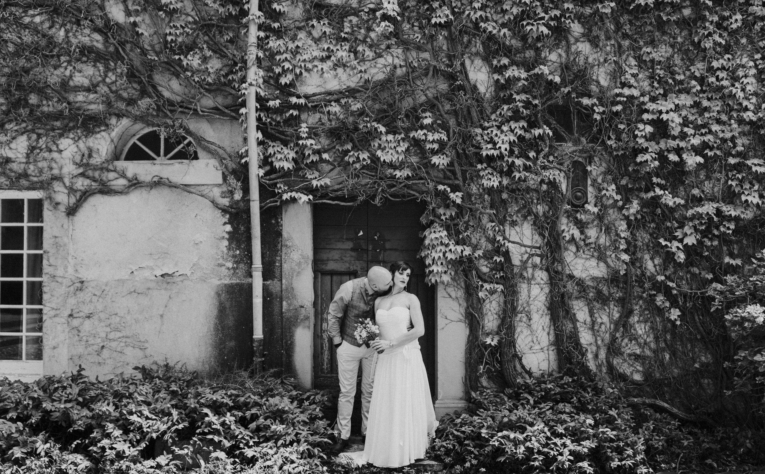 french-farmhouse-wedding-photography-carcassonne-france-44