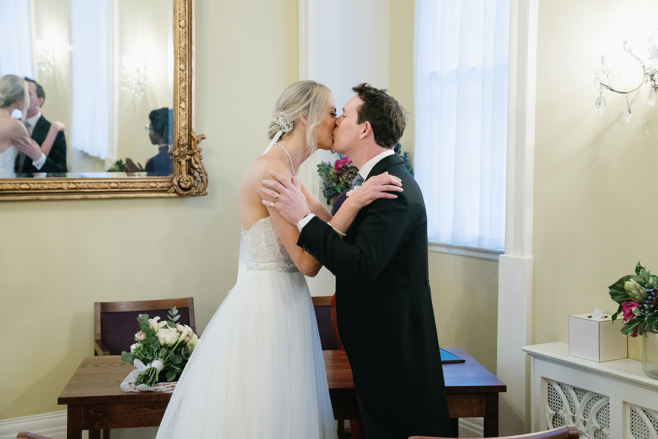 chelsea-london-wedding-photographer-videographer-chelsea-town-hall-28