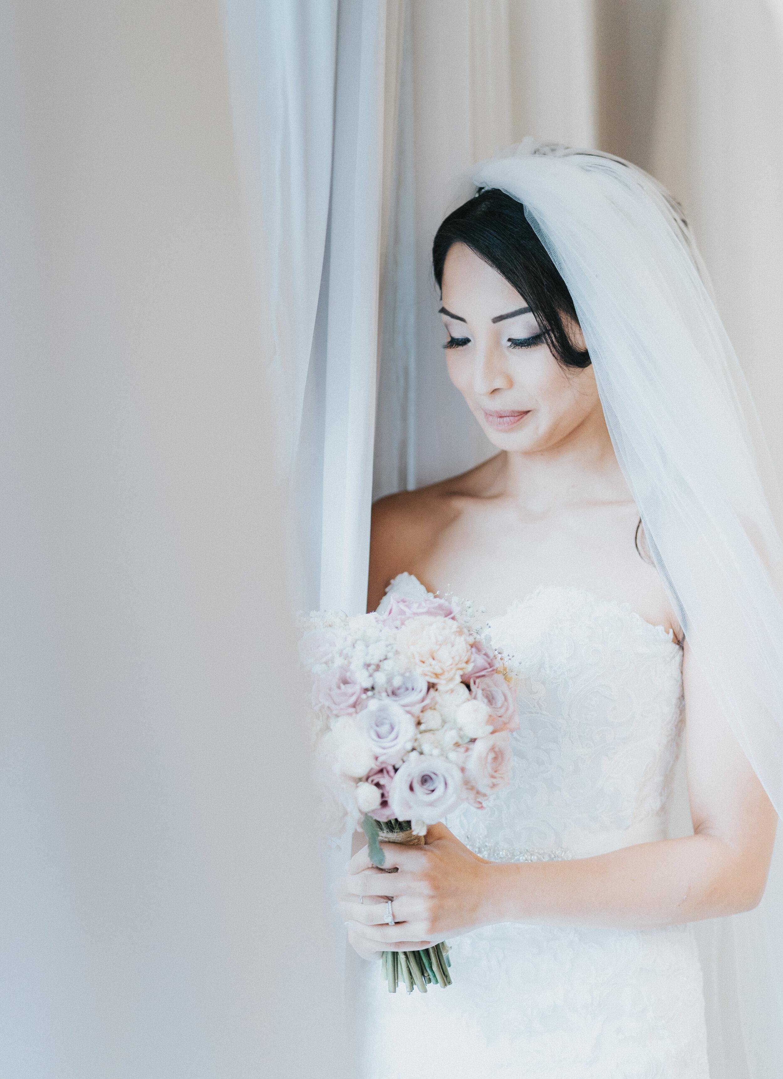 bride-prep-hertfordshire-london-wedding-photographer-09