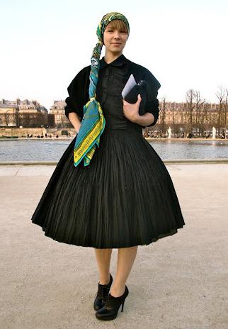 creative ways to knot and wear a scarf - Vika Gavinskaya
