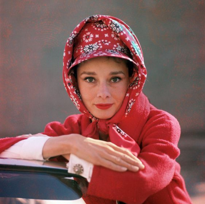 Headscarf as worn by audrey hepburn 5.png
