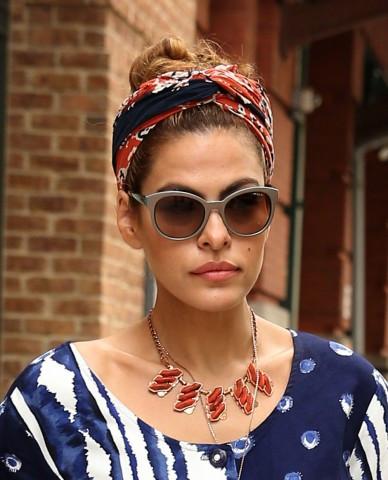 eva-mendes-headscarf-cleo-ferin-mercury.jpg