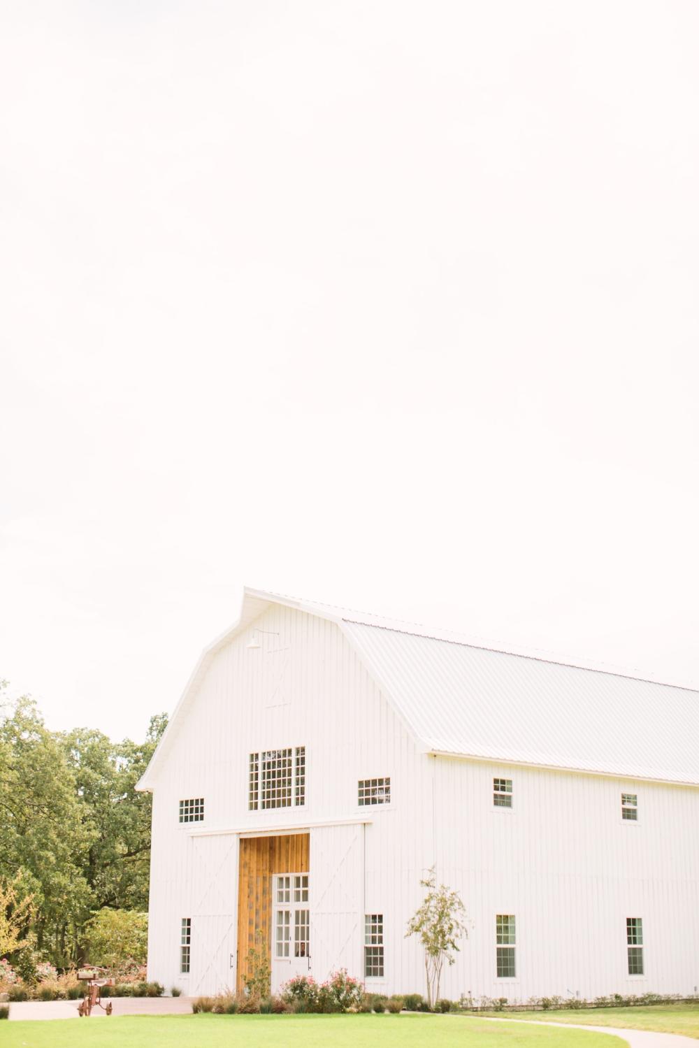 White Sparrow Barn Wedding - Texas Wedding Venues