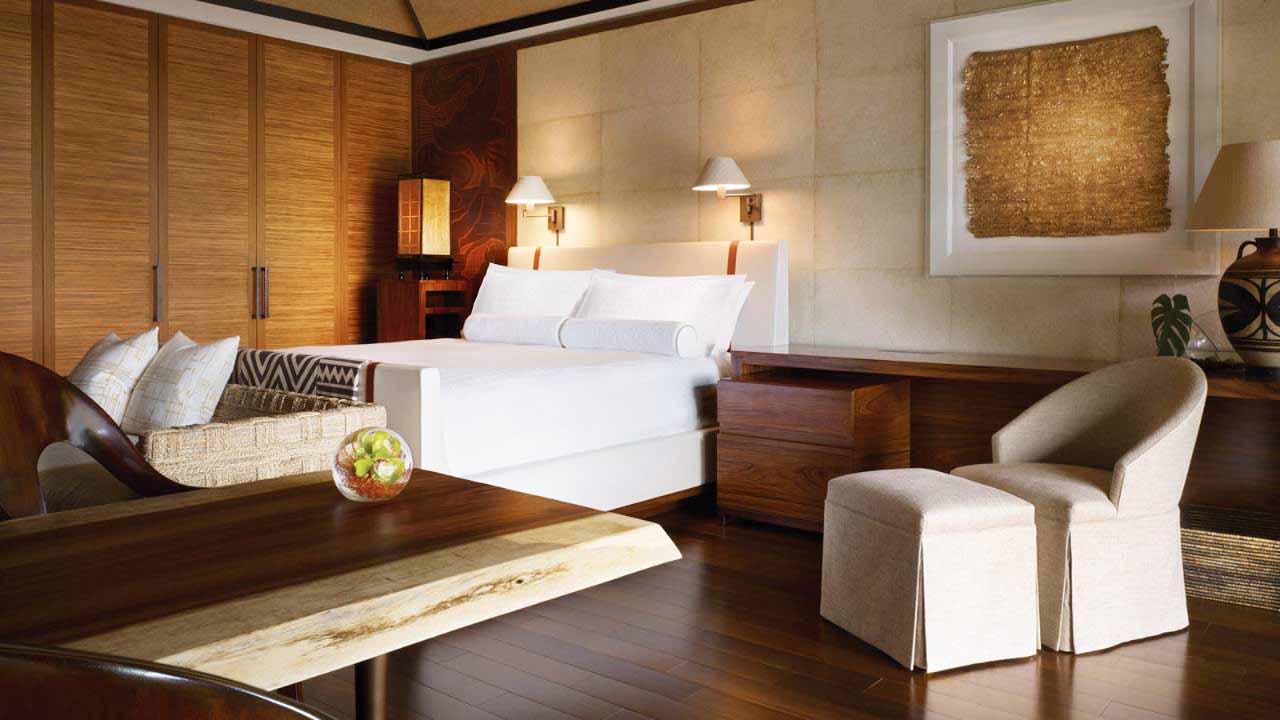 33674170_fs_manele_bay_guestrooms_3a.jpg