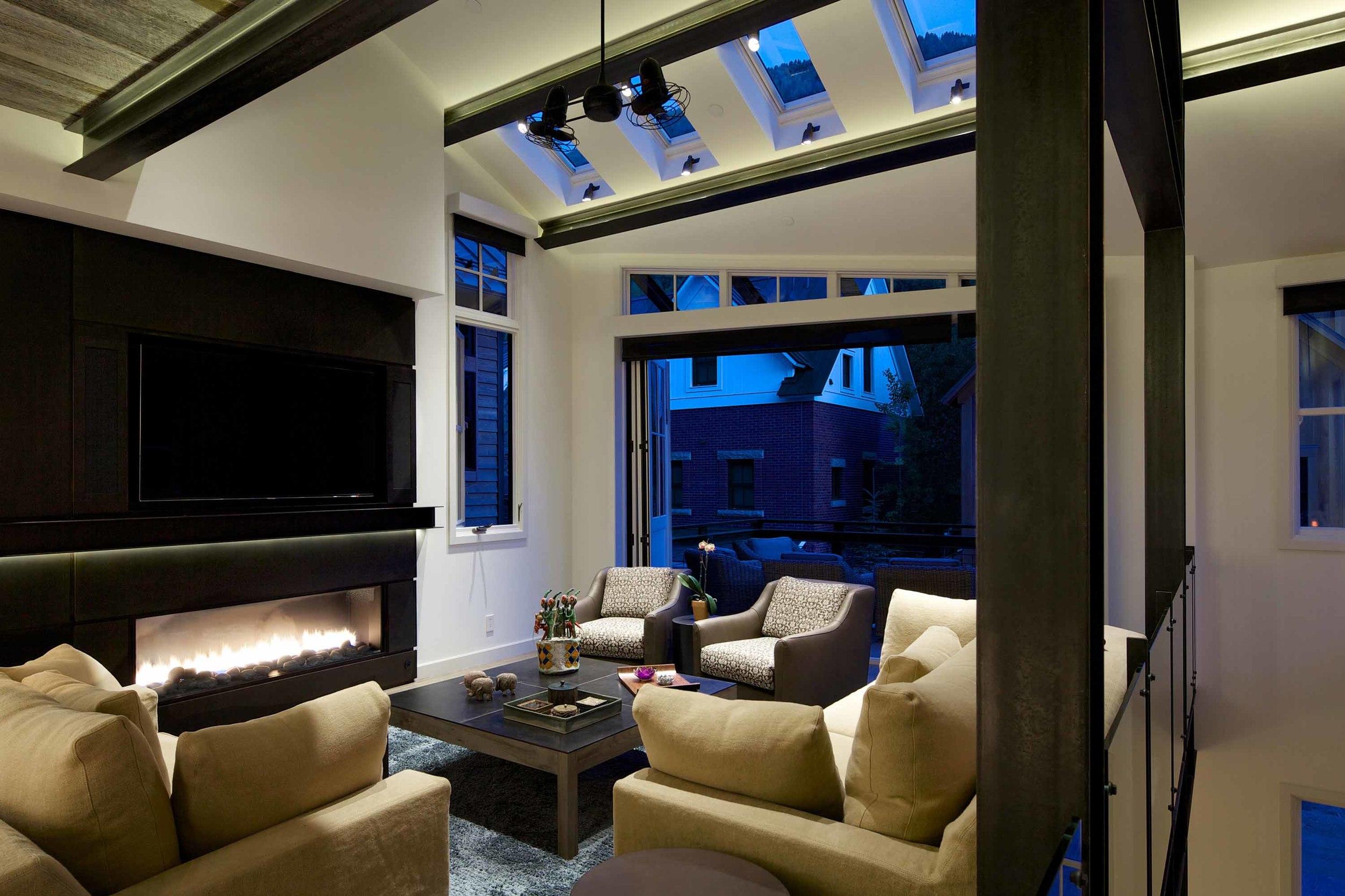 33674313_telluride_depot_living_room.jpg