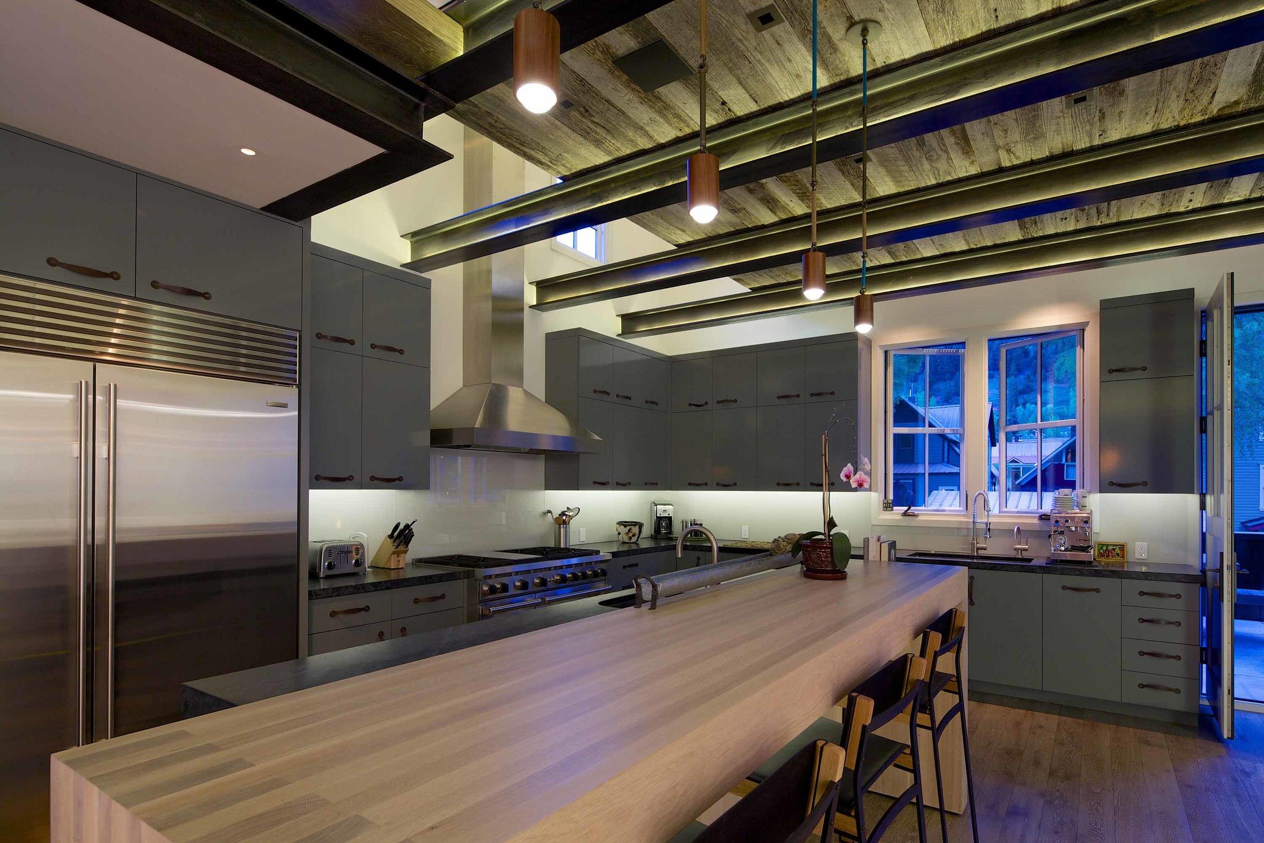 33674414_telluride_depot_kitchen.jpg