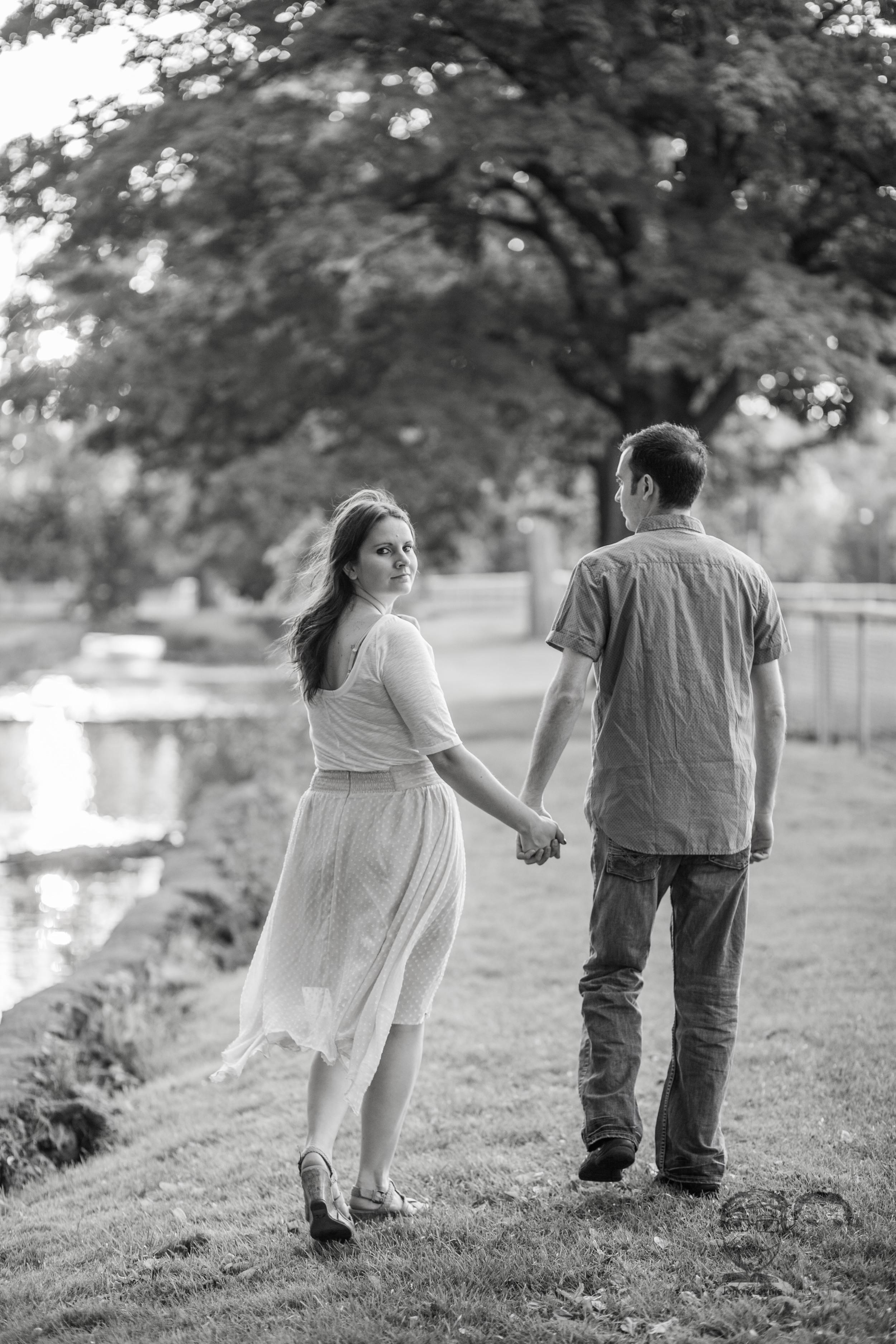 158Toronto and Niagara Photographers. Jono & Laynie Co. Engagement Session_.jpg