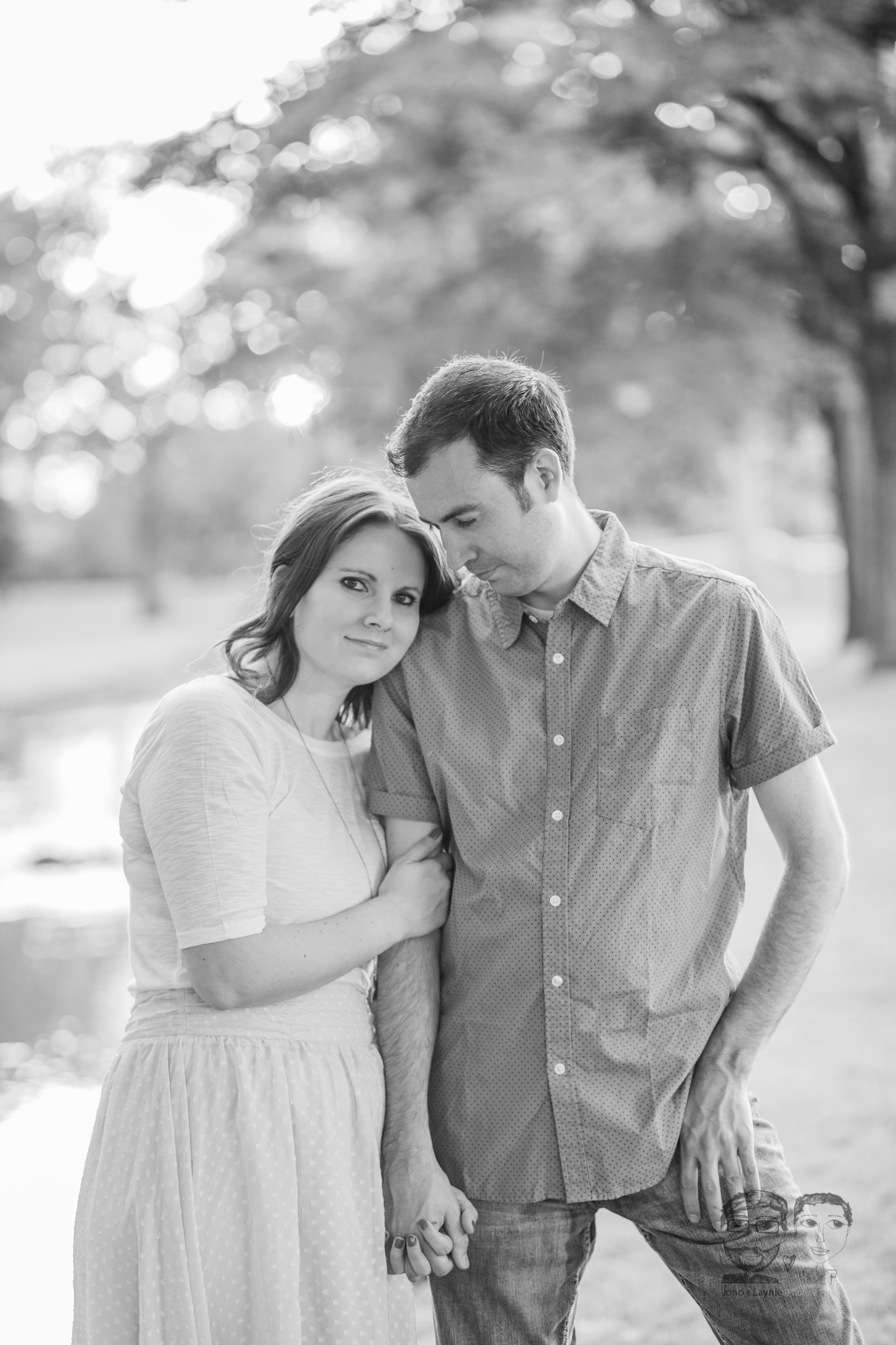 168Toronto and Niagara Photographers. Jono & Laynie Co. Engagement Session_.jpg