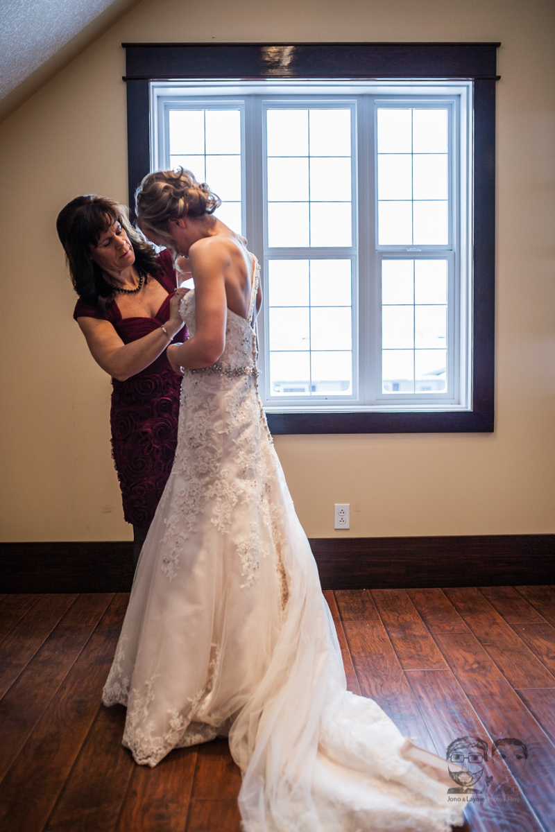 0018Calgary Wedding Photographers-Jono & Laynie Co.jpg