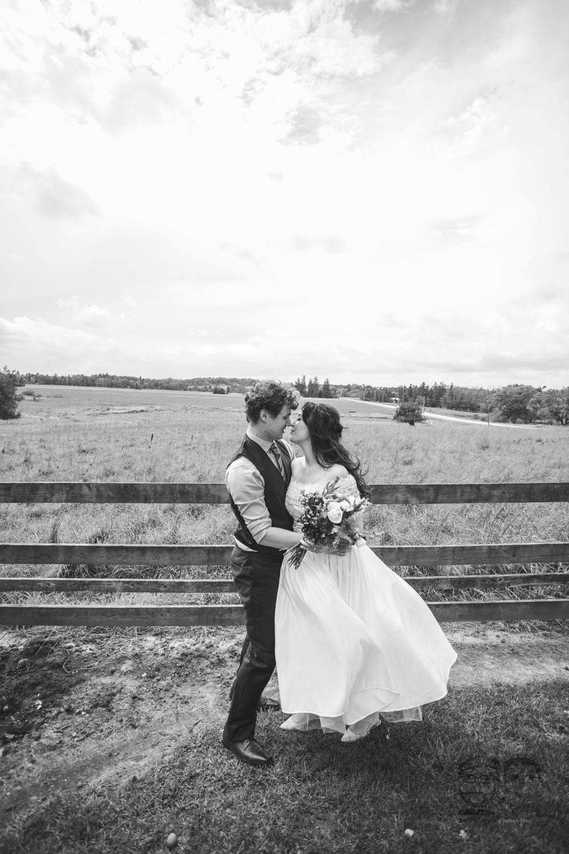 Brantford Photographer-Jono & Laynie Co.030.jpg