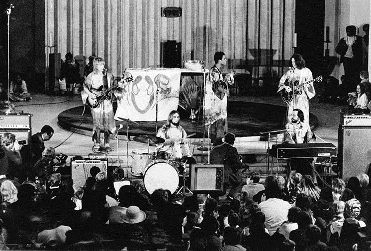 Anderson and  The Second Eagle  perform songs from the  Jesus Christ Superstar  conceptual album at St. Stephen's Church on Palm Sunday 1971 (saintstephensdc.org, photo courtesy of The Washington Post)