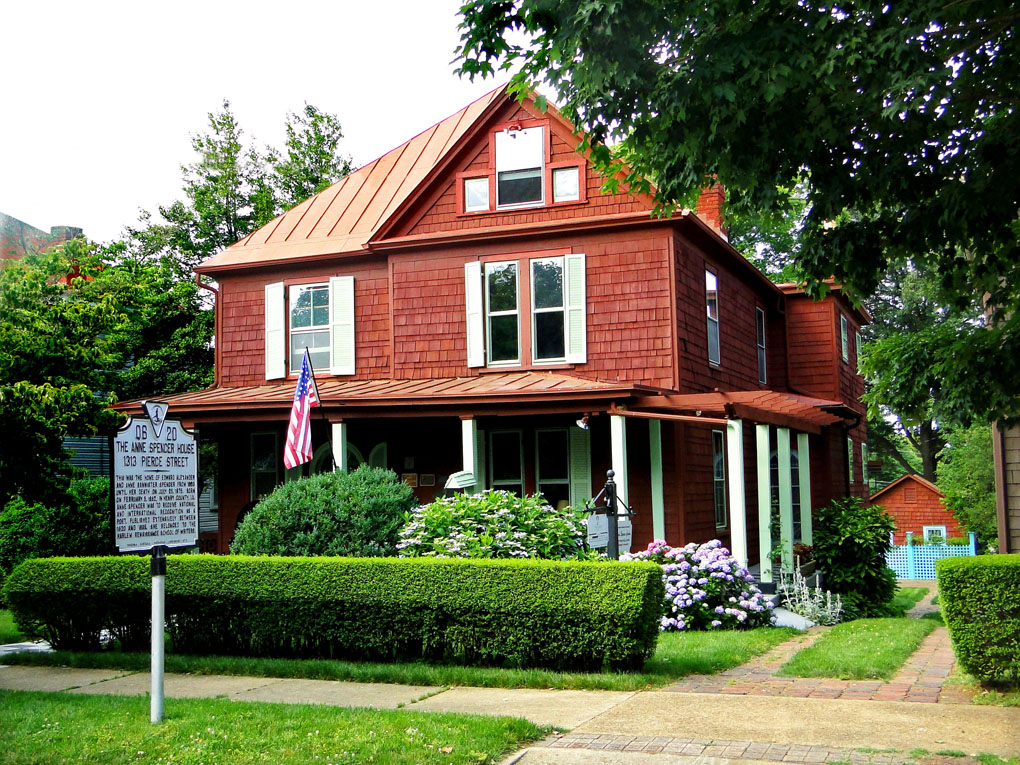 anne spencer's home and gardens are located on pierce street