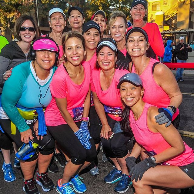 Friends don't let friends run races alone 😁 Grab your friends and come run the half marathon or 5k! Today is the last day to use code VDAY5 for $5 off either race. Prices will increase on March 25th. Registration link in profile 🏃🏻‍♀️🏃🏻‍♂️ #scottsdalehalfmarathon #scottsdale5k