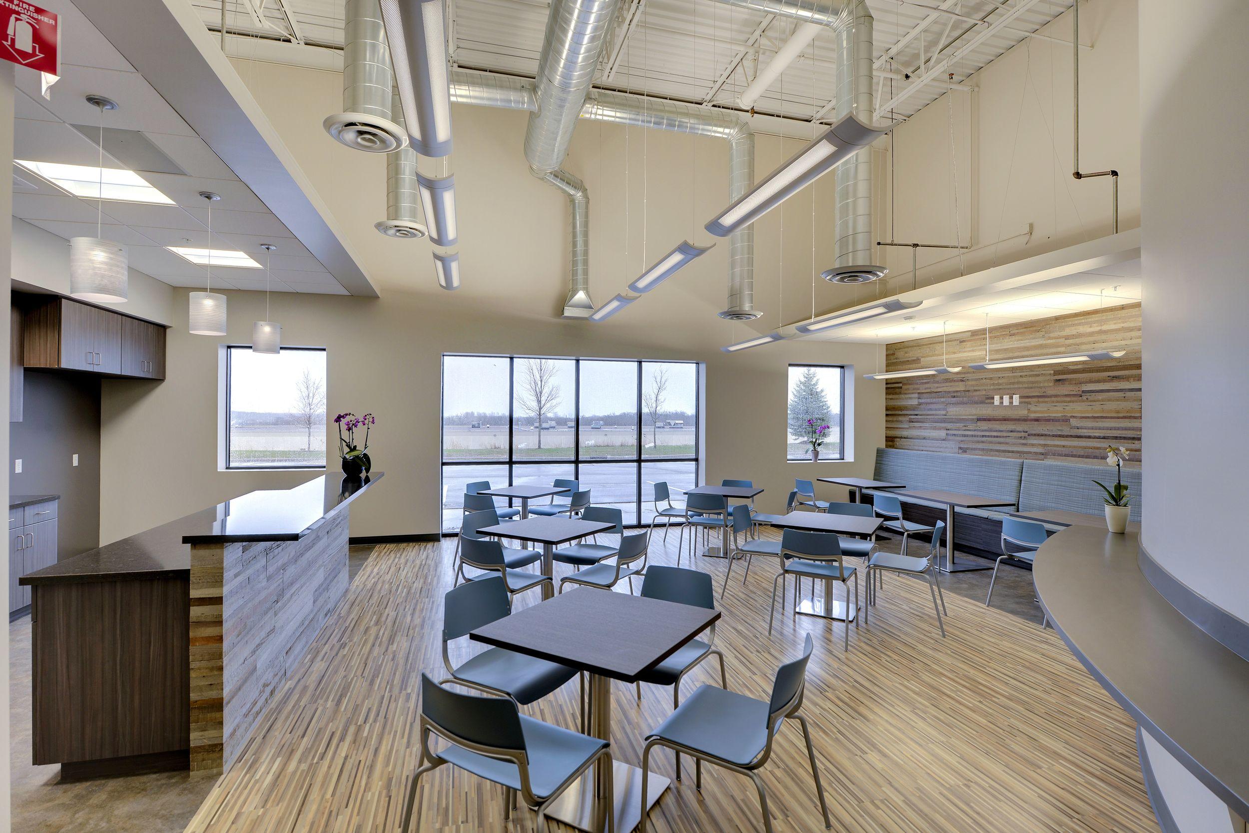 Chicago-Architect-Dani-Fitzgerald-Custom-Design-Planning-corporate-interiors-cafeteria
