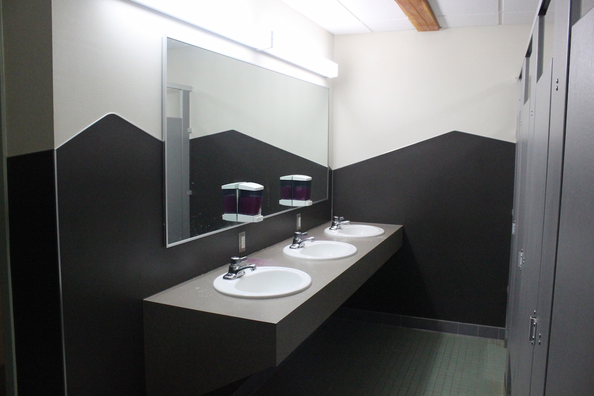 Sink & Bathroom Stalls