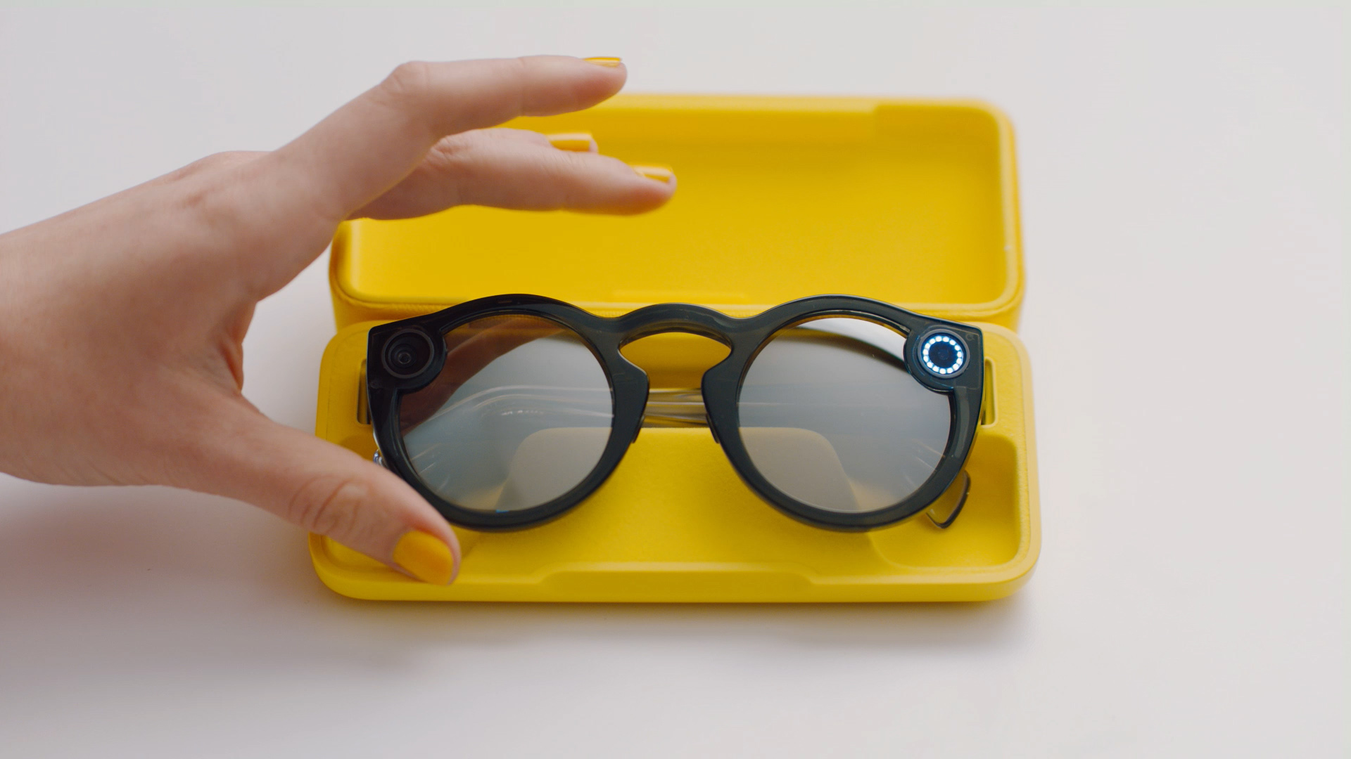 Charging Spectacles – Spectacles Support - Google Chrome 10_13_2018 11_15_58 AM.jpg