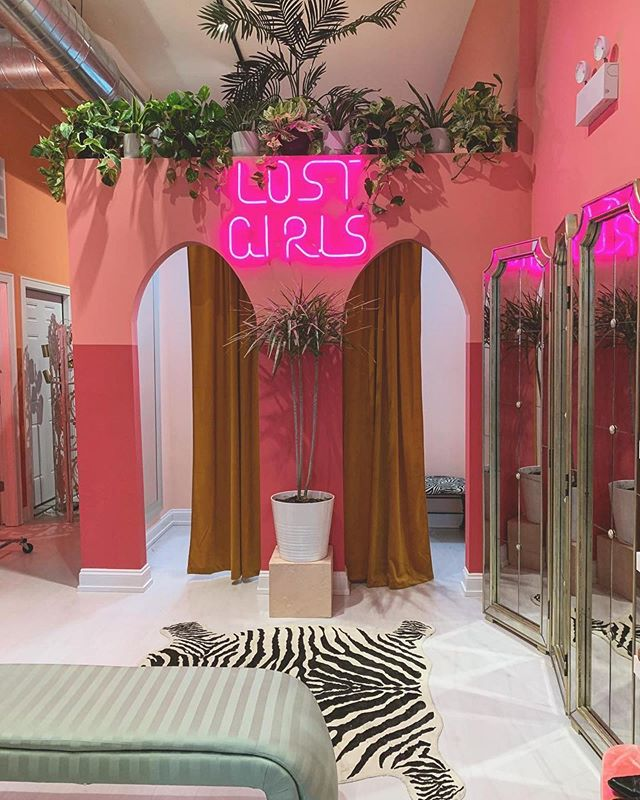 Loved the photo of our dressing rooms and Moroccan inspired archways by @sampolikeo. ❤️ Shops open all weekend 11-6pm