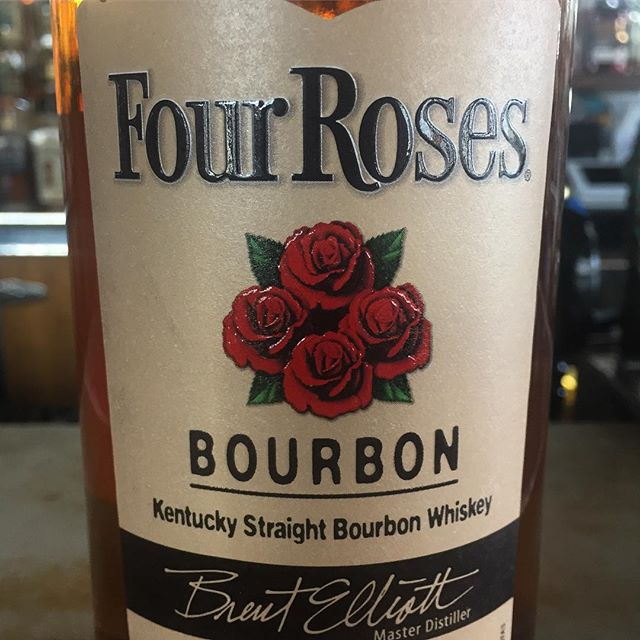 This Saturday we toast the Run for the Roses with one of our favorite whiskey makers @fourrosesbourbon. Join us 1-7pm Saturday, May 4 for a Kentucky Derby party. $2 cans of @montuckycoldsnacks $5 mint juleps and bourbon mules, $2 off Four Roses cocktails, a special derby inspired snacks menu, bourbon pecan pies and more. Contest for BEST HAT and BEST DRESSED - winners get a gift pack of $100 of gift certificates to our spots @palominobar @smallpiemke @honeypiecafe AND you can enter a raffle benefitting our friends @steppingstonefarmsschool and win cool Four Roses whiskeys and prizes. Happy May!  #derbyday #palominobar