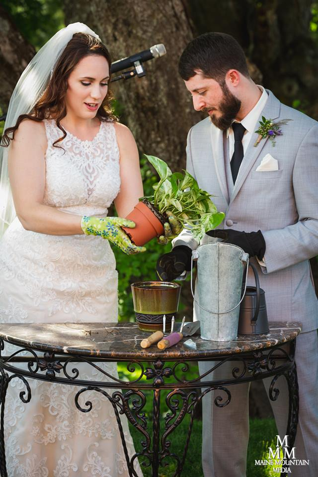 Planting ceremony: a special reminder to grow with each other