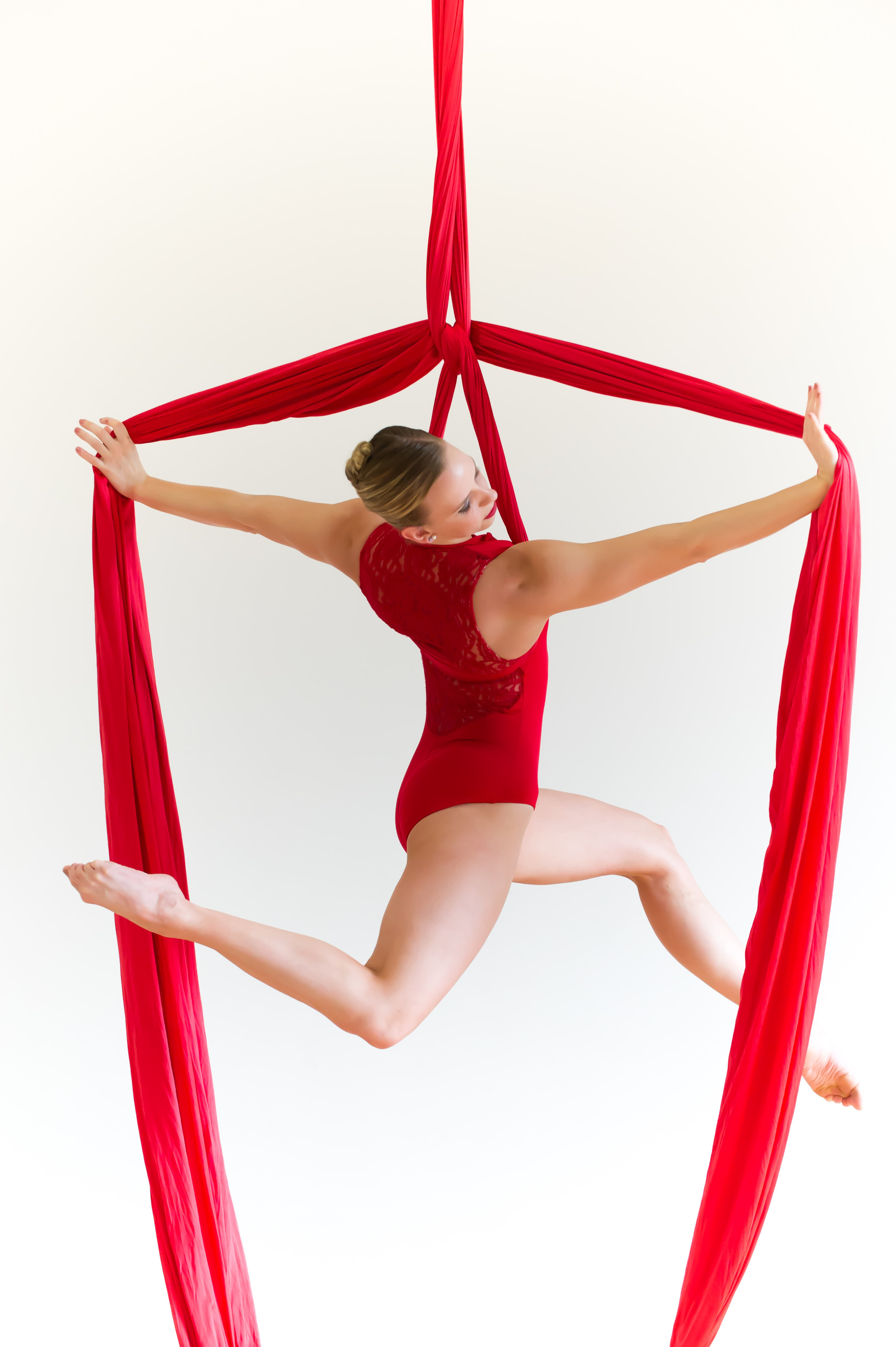 TAKE A CLASS!   The School of Aerial Dance Chicago offers programs for youth, teens and adults, beginner through professional.   Learn More