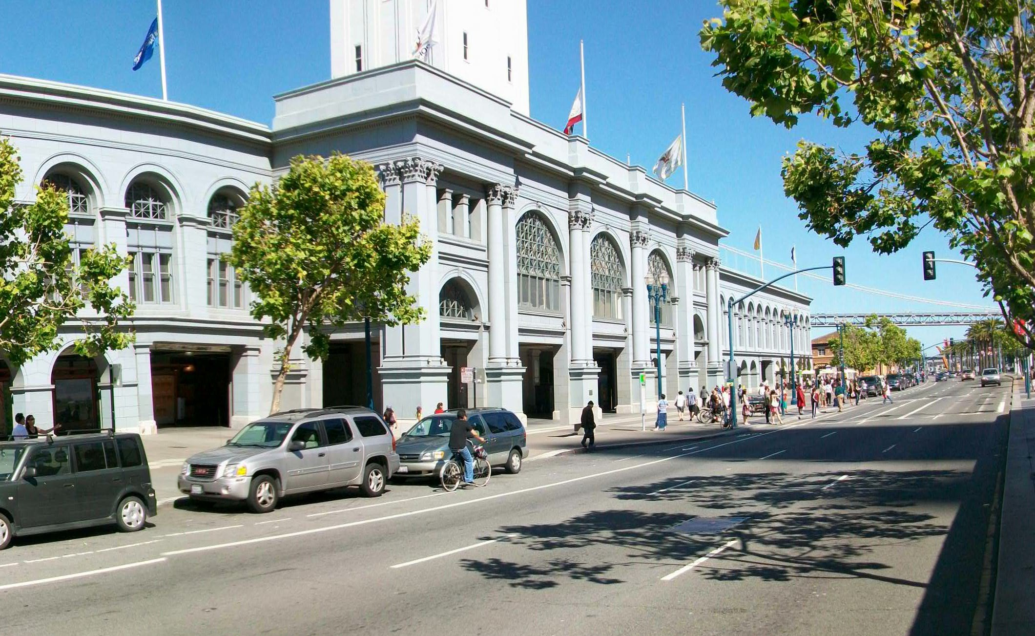 Once covered by a double-decker highway, the Embarcadero in San Francisco is now a thriving multimodal boulevard with a vibrant shopping mall in the previously obscured and historic Ferry Building. (Kevin Proft/ecoRI News)