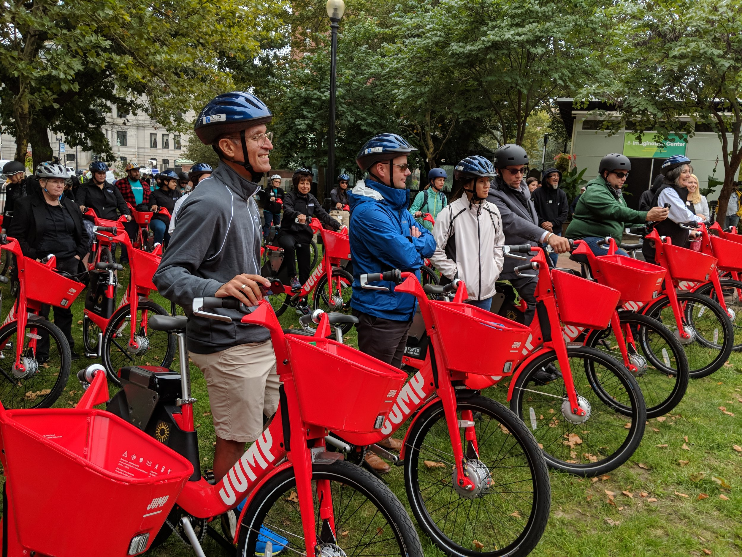 Some 50 riders joined a 2-mile ceremonial ride through downtown Providence to celebrate the launch of JUMP bike-sharing program. (Tim Faulkner/ecoRI News)