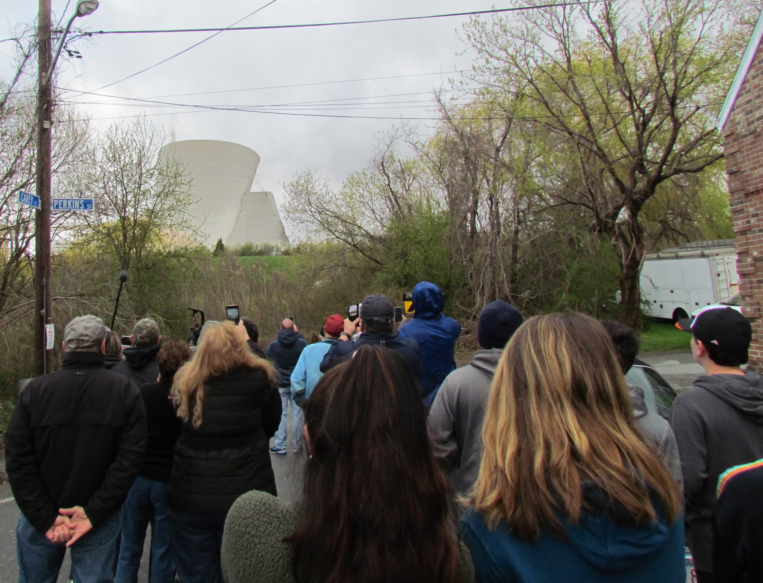 The Brayton Point Power Station cooling towers collapsed at 8 a.m. sharp on April 27. (Tim Faulkner/ecoRI News photos)