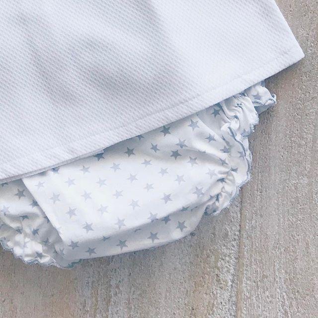 Details... ✨✨✨ #grey #stars #combo #cotton #handmade #MadeInSpain #melbourne #fashion #baby #Kidsfashion #BabiesAreBabies #collection #RowingAndCo