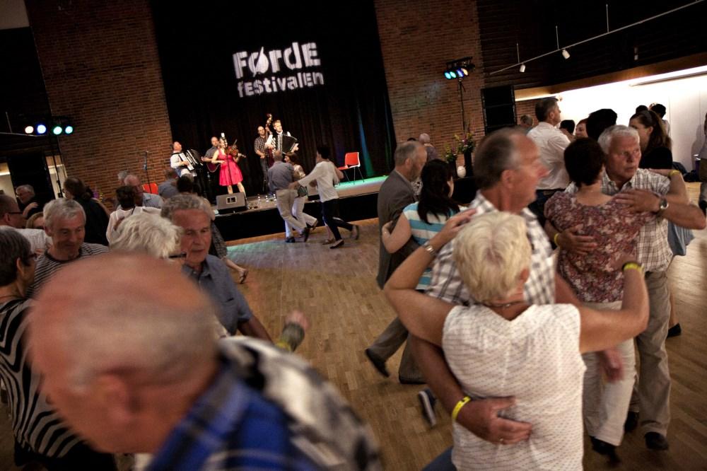 Velkomen til dans i Førdehuset torsdag, fredag og laurdag under festivalen!