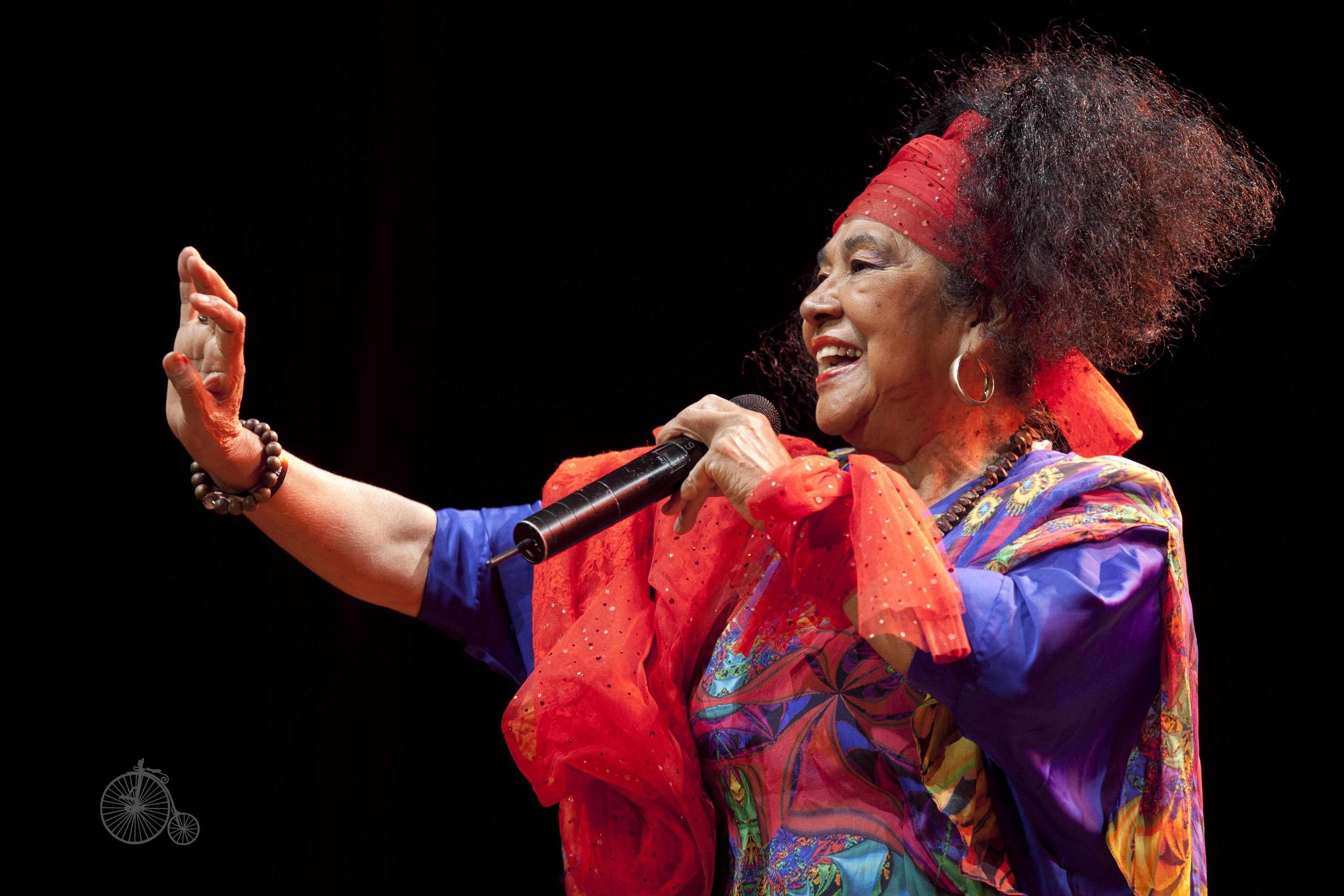 Cumbia-dronninga frå Colombia - Toto La Momposina tilbake til Førde etter 23 år!