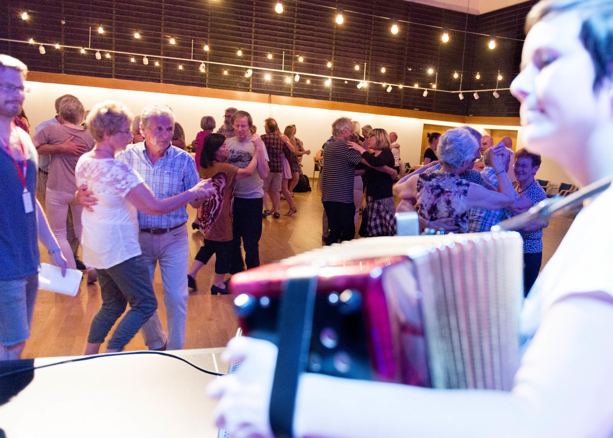 Dansen går_Arve Ullebø_ARU6811 (1).jpg