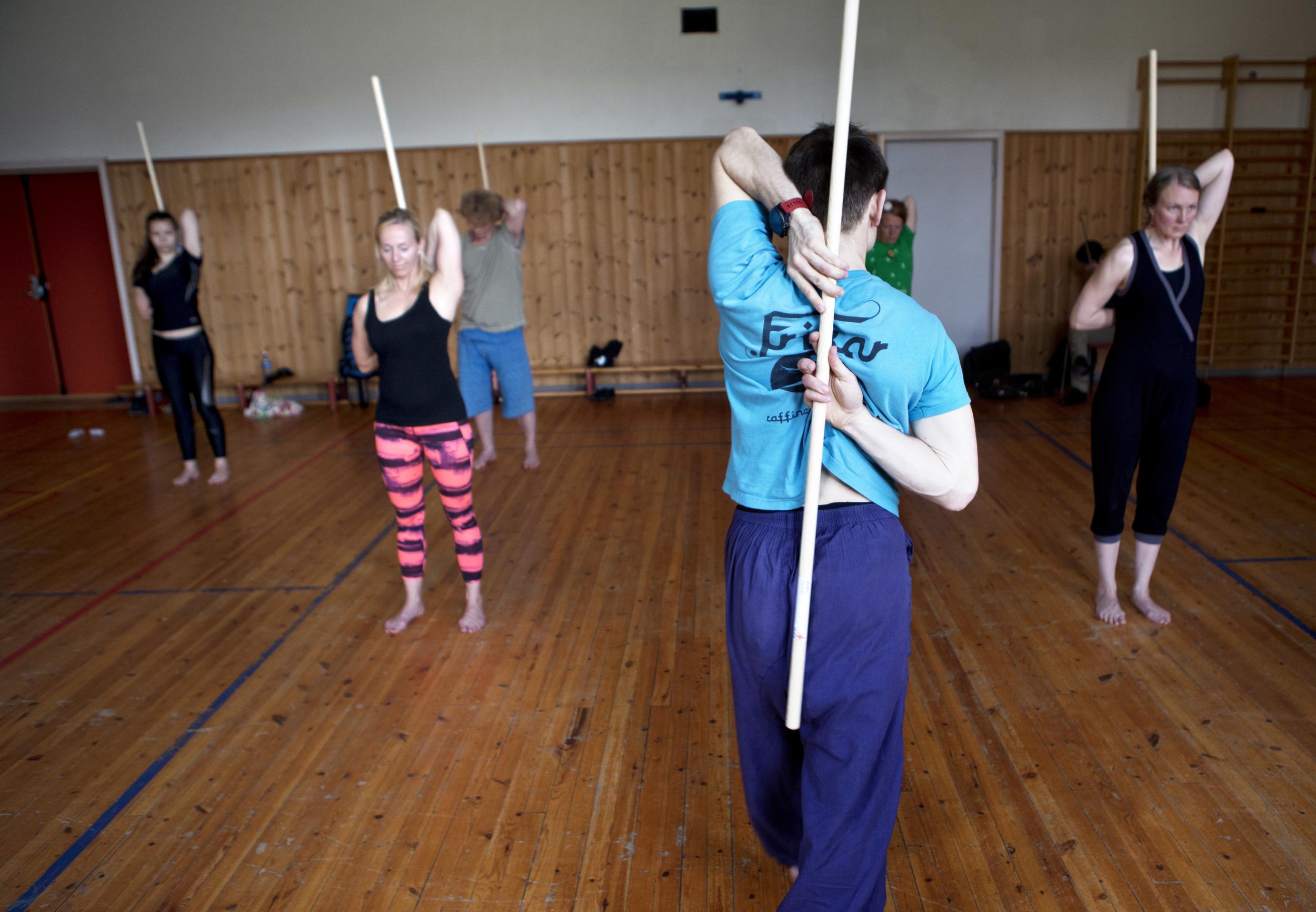 IMG_3741 - gokarma yoga - 2. juli - førde barneskule - heidi hattestein.jpg