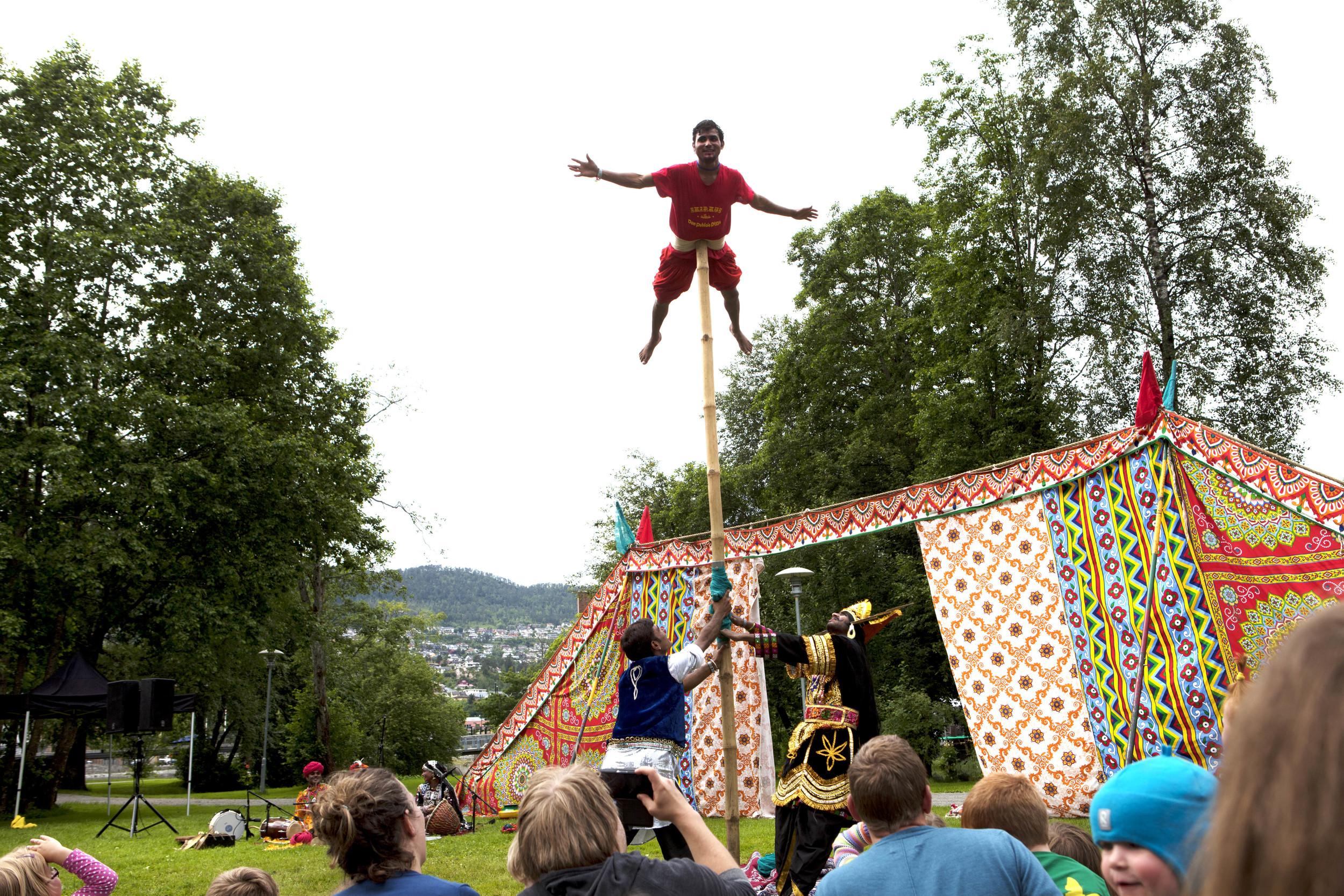 circus raj_fredag_heidihattestein_2.jpg