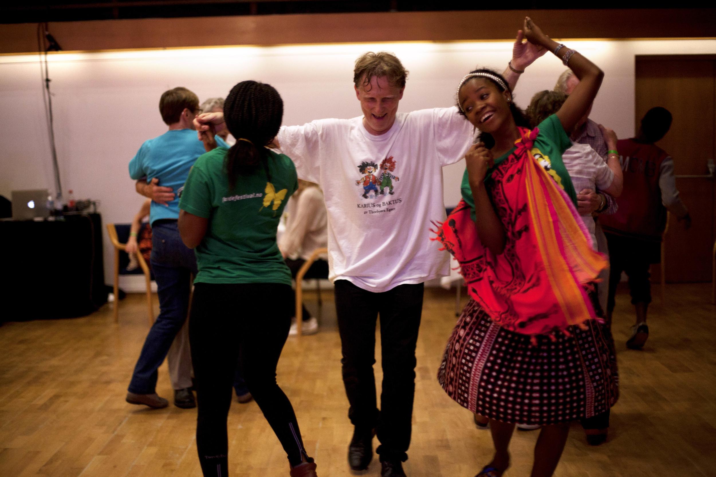 dansen går i førdehuset_fredag_heidihattestein_1.jpg
