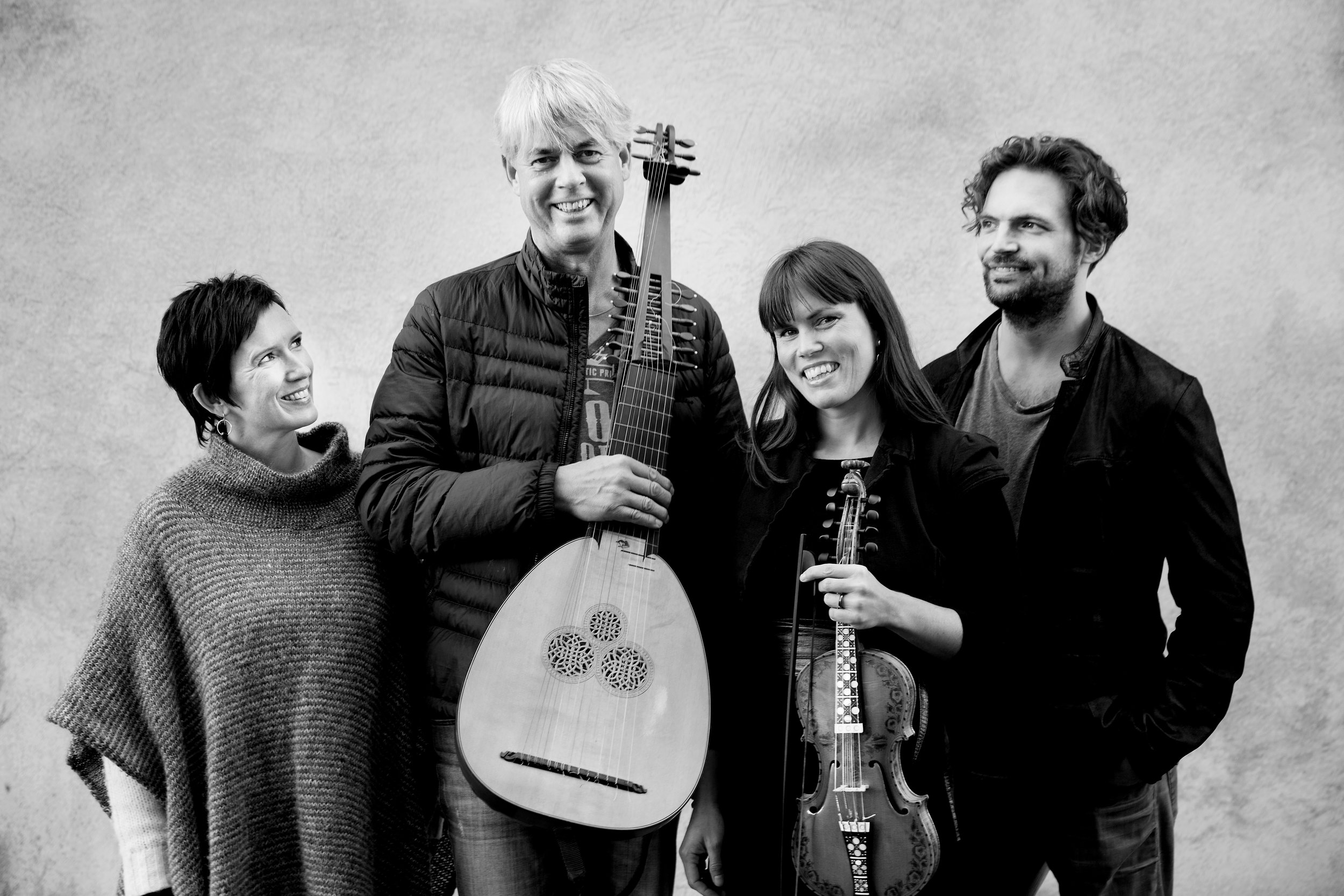 TIDEKVERV: Berit Opheim, Rolv Lislevand, Benedicte Maurseth og Håkon Mørch Stene - konsert i Ålhus kyrkje torsdag 21. september.
