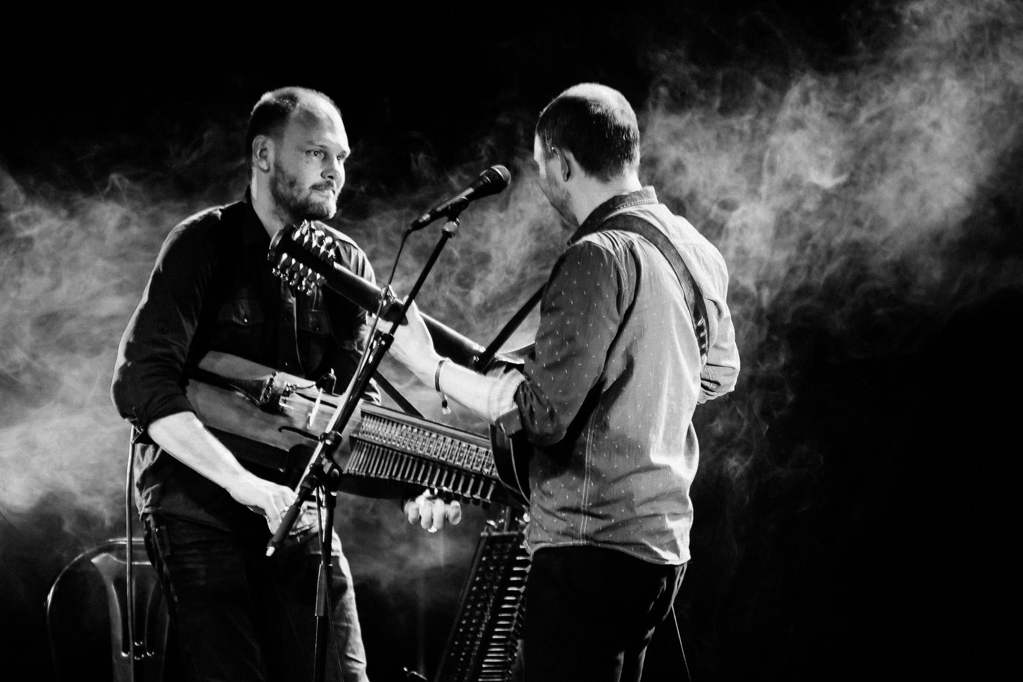 Johan Hedin og Esbjørn Hazelius kjem til Førde med heilt ny musikk i bagasjen. Foto: David Brohede