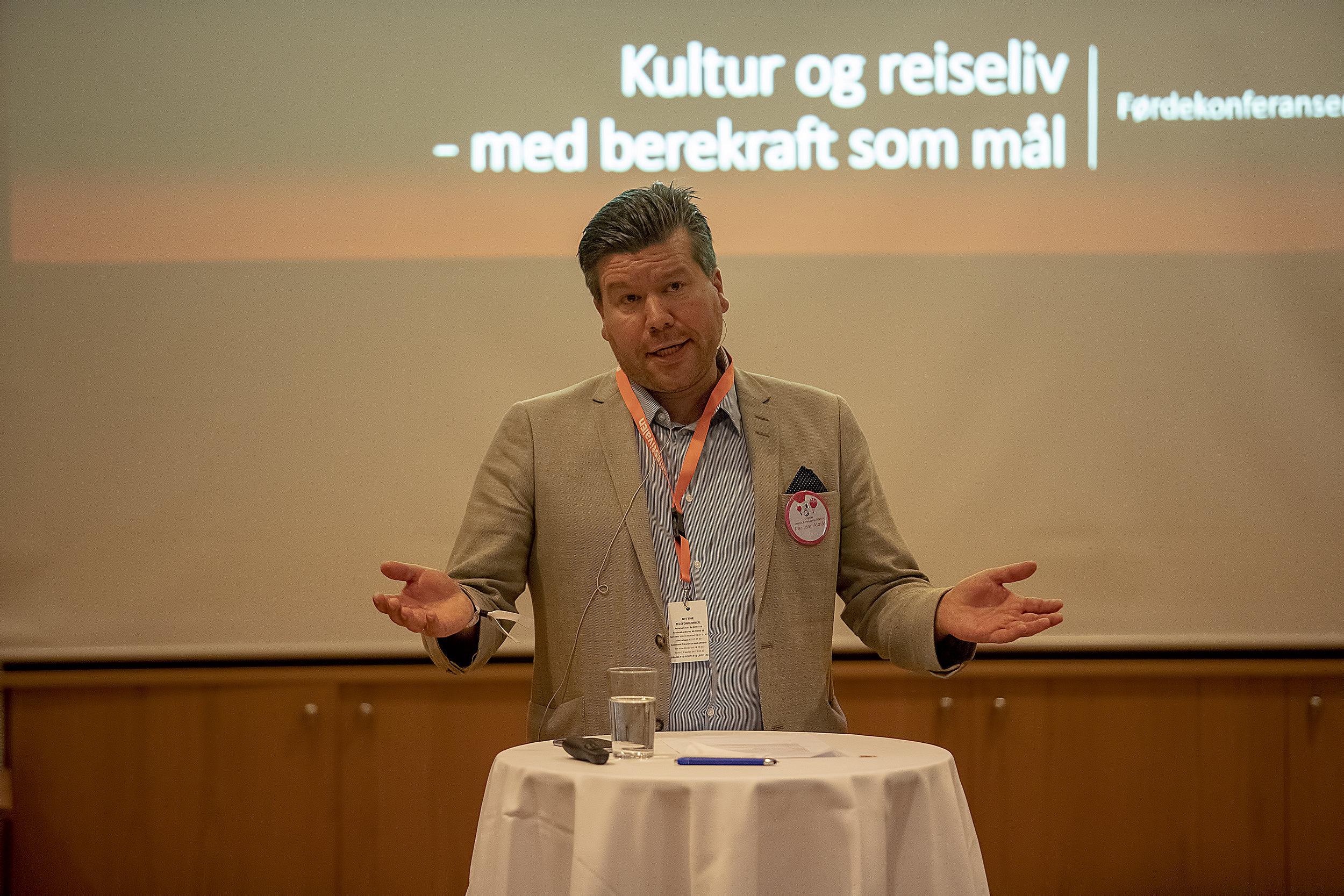 Per Idar Almås, direktør Førdefestivalen. Foto: Espen Stensvoll.