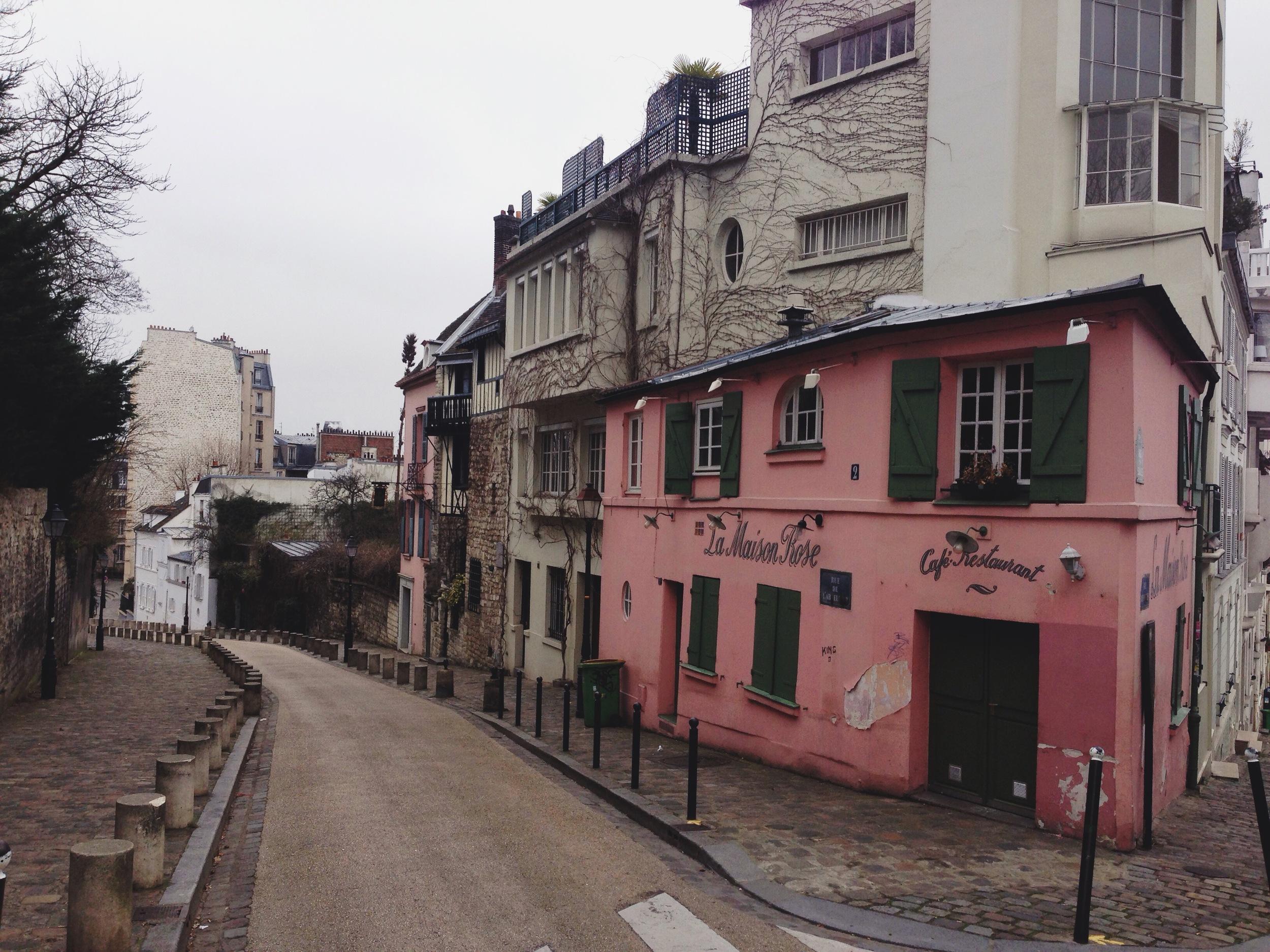 paris-le_maison_rose_corner