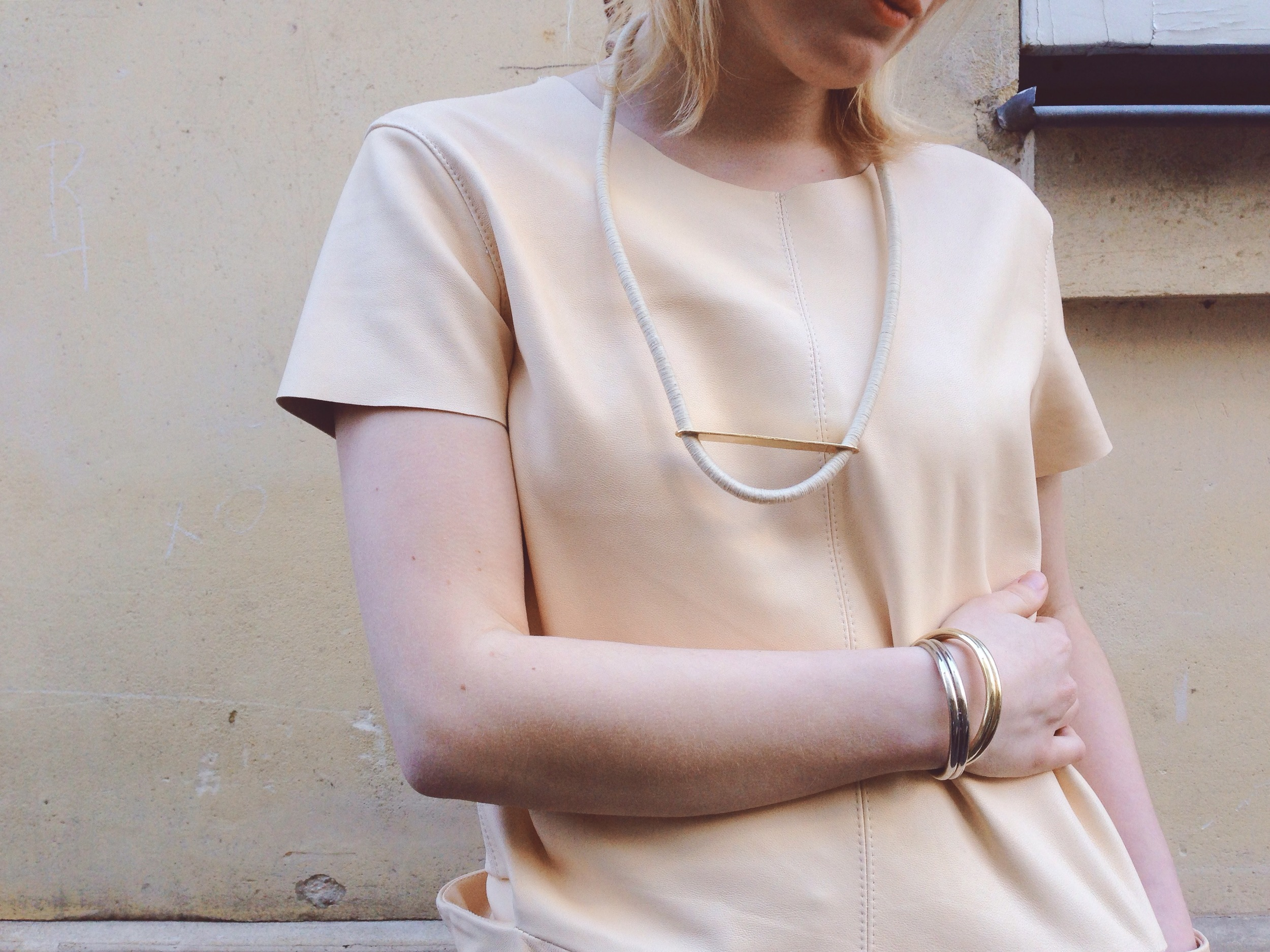 yana-yves_necklace_dyad_dress_leize_cuffs