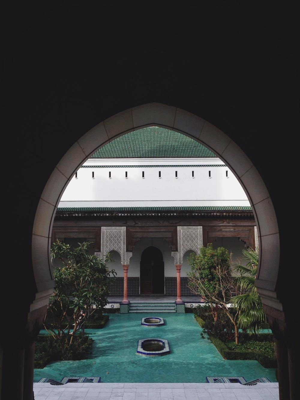 paris-grande_mosquee_through_the_window
